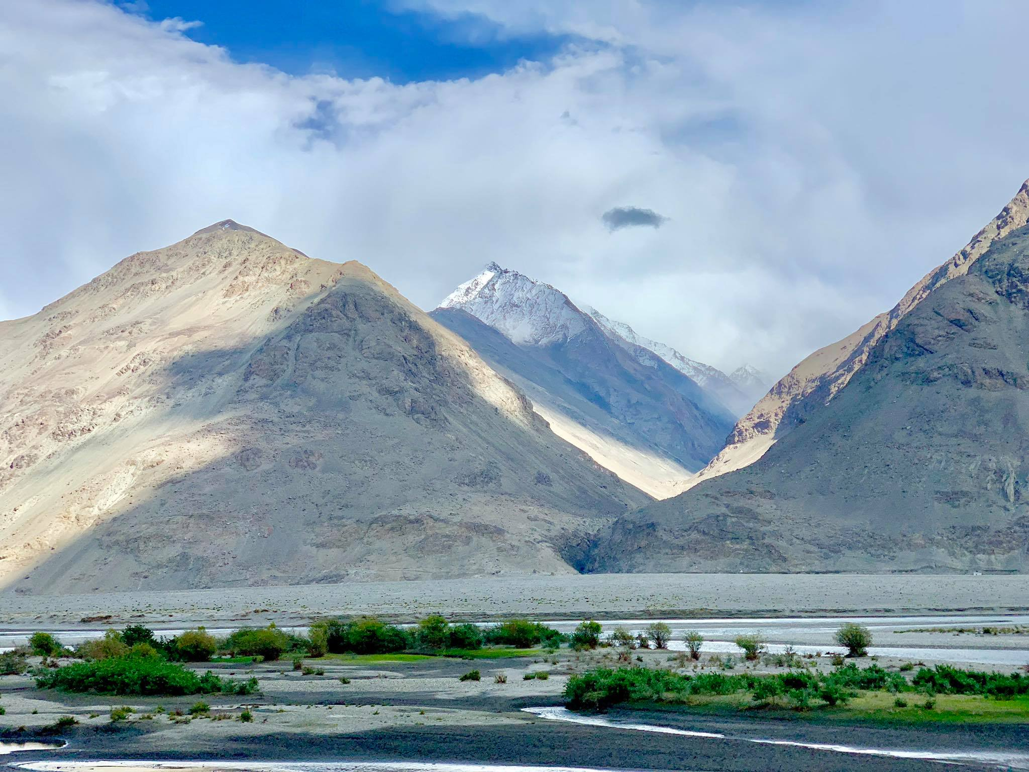 Kach Solo Travels in 2019 Driving from Ishkashim to Wakhan Valley14.jpg