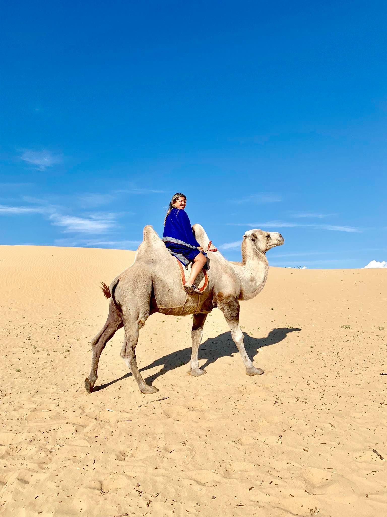 Kach Solo Travels in 2019 Nomadic family in Elsen Tasarkhai1.jpg