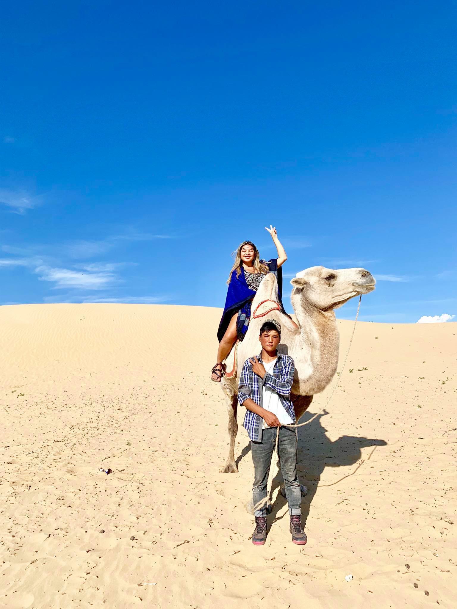 Kach Solo Travels in 2019 Nomadic family in Elsen Tasarkhai2.jpg