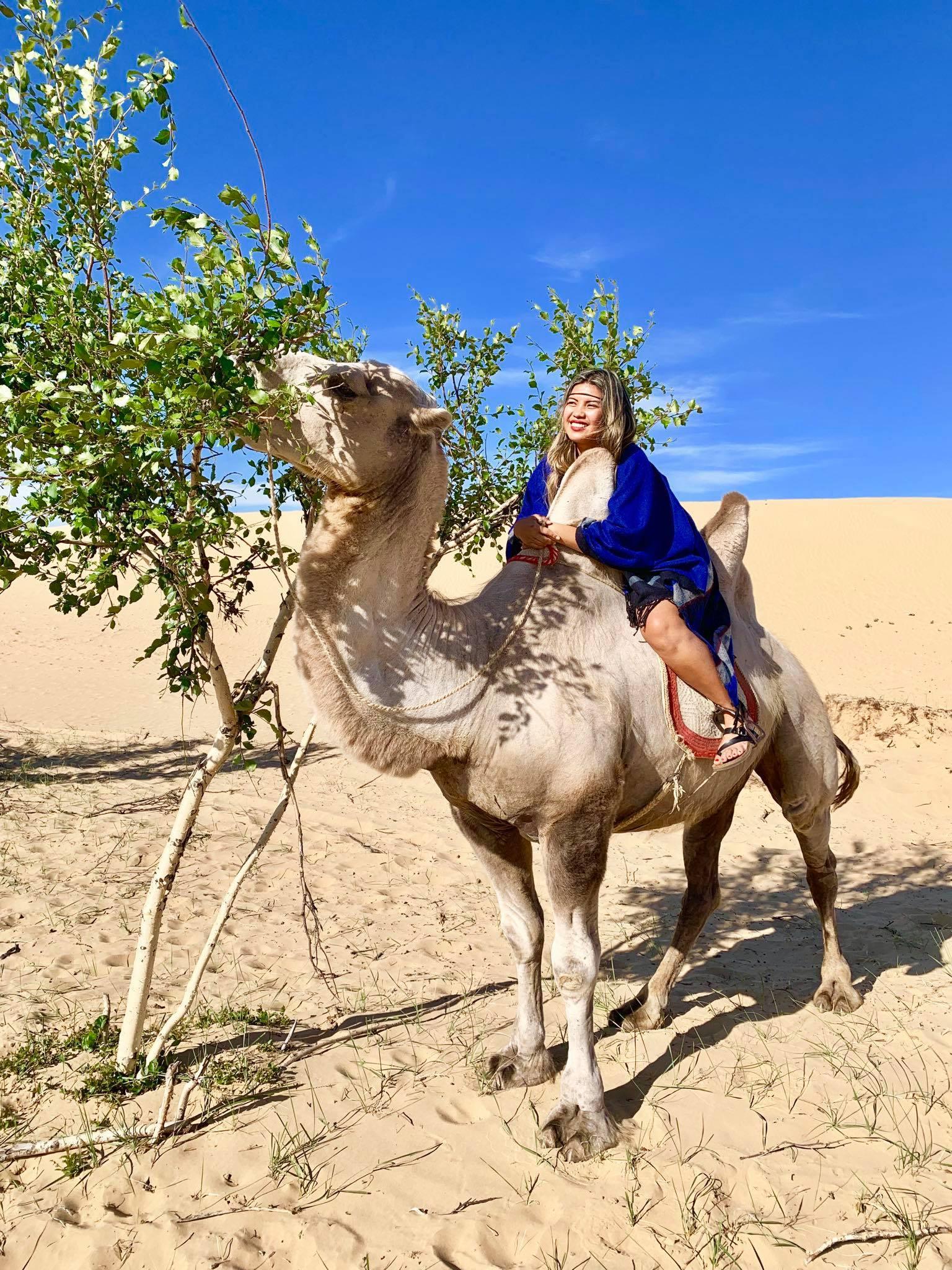 Kach Solo Travels in 2019 Nomadic family in Elsen Tasarkhai9.jpg
