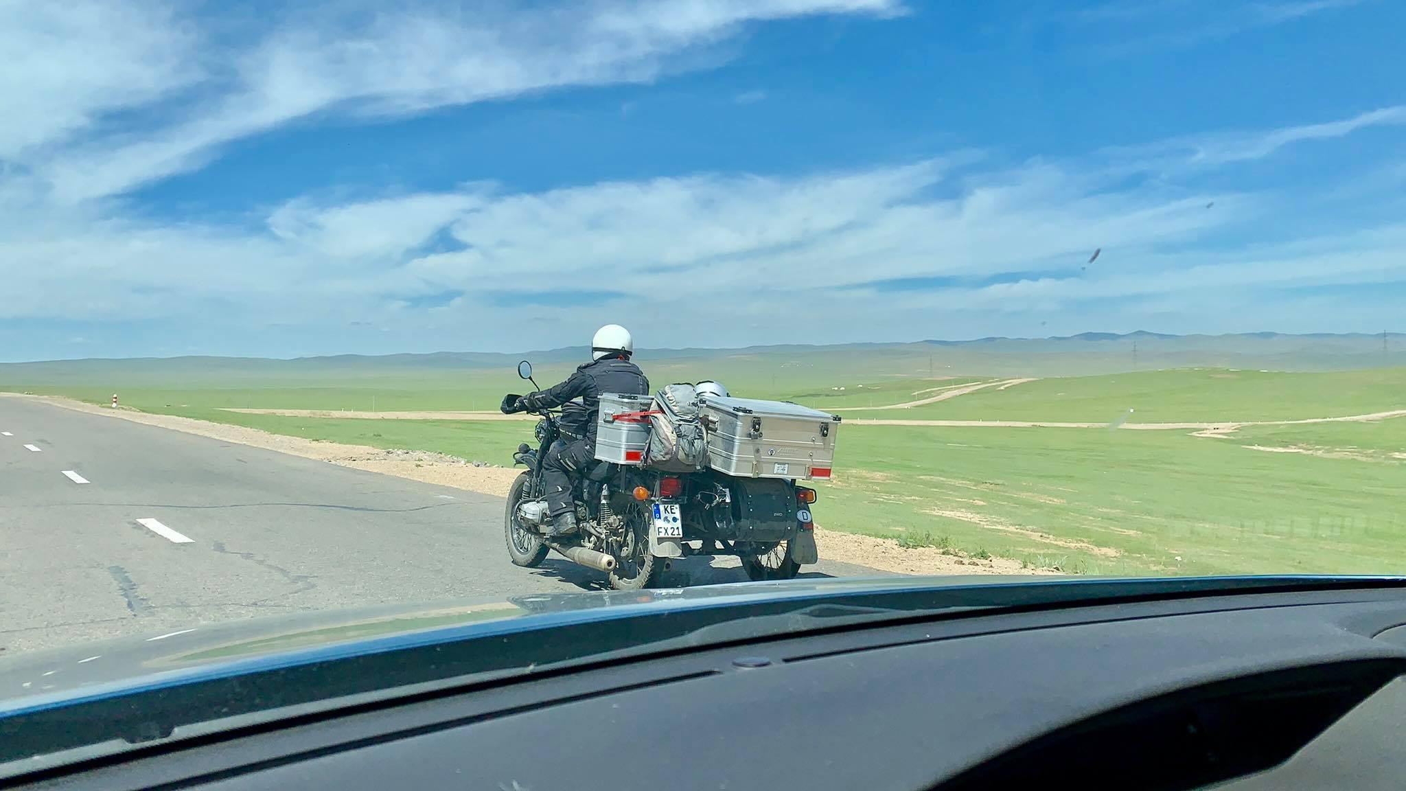 Kach Solo Travels in 2019 Nomadic family in Elsen Tasarkhai27.jpg