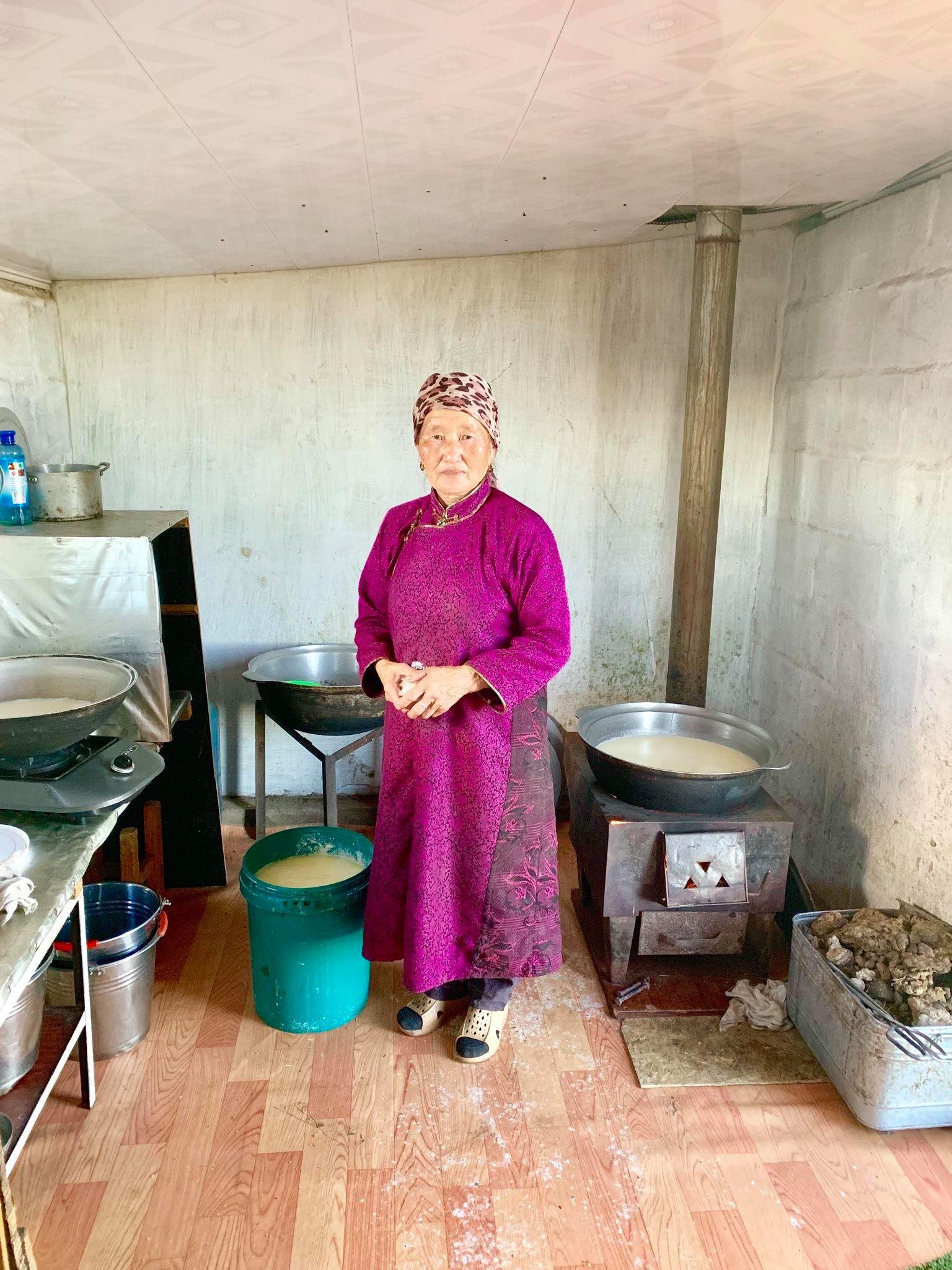 Kach Solo Travels in 2019 Nomadic family in Elsen Tasarkhai36.jpg