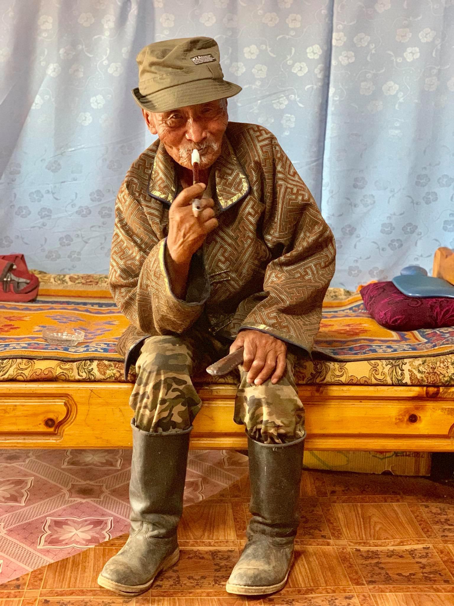Kach Solo Travels in 2019 Nomadic family in Elsen Tasarkhai38.jpg