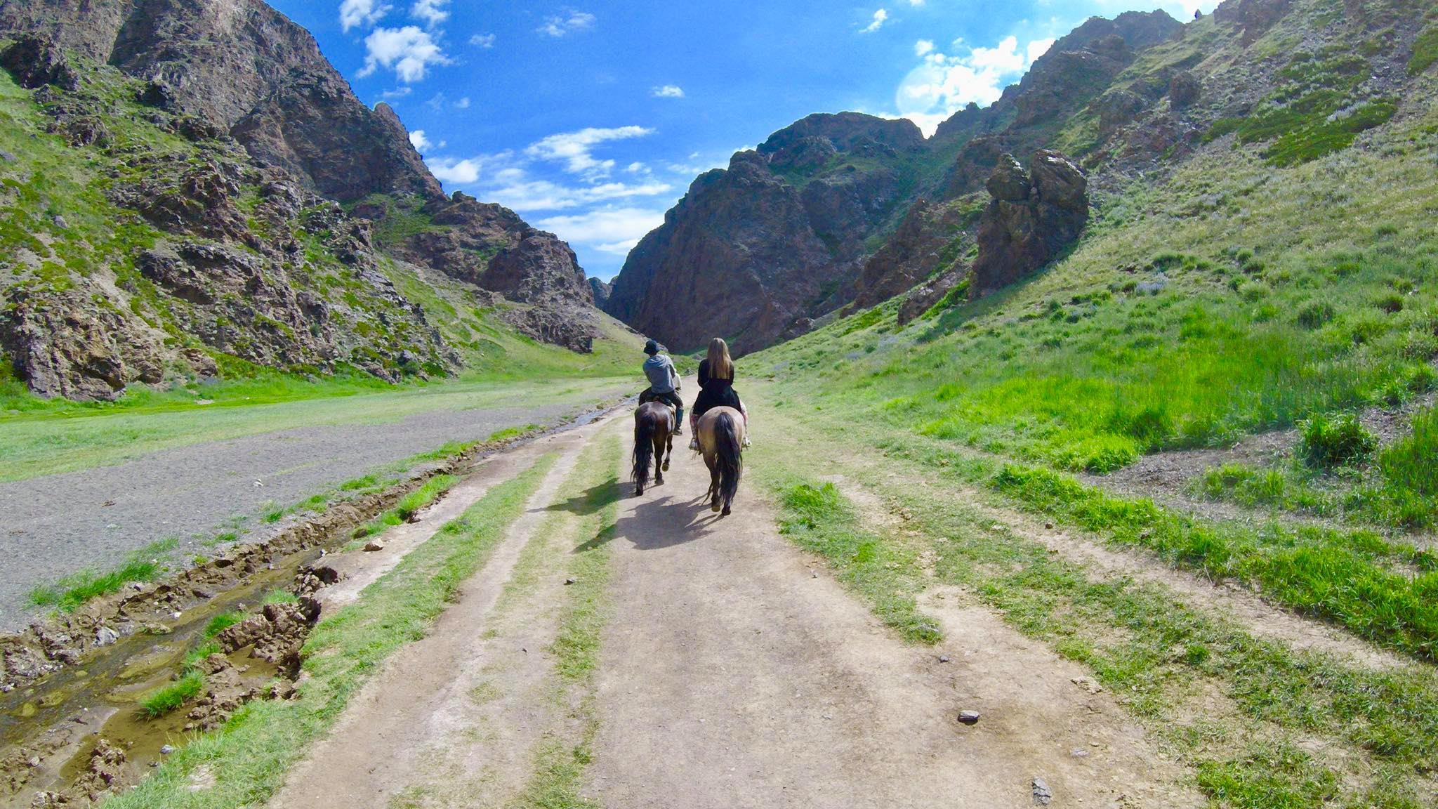 Kach Solo Travels in 2019 Horseback riding trip to the Gobi Gurvan Saikhan National Park11.jpg