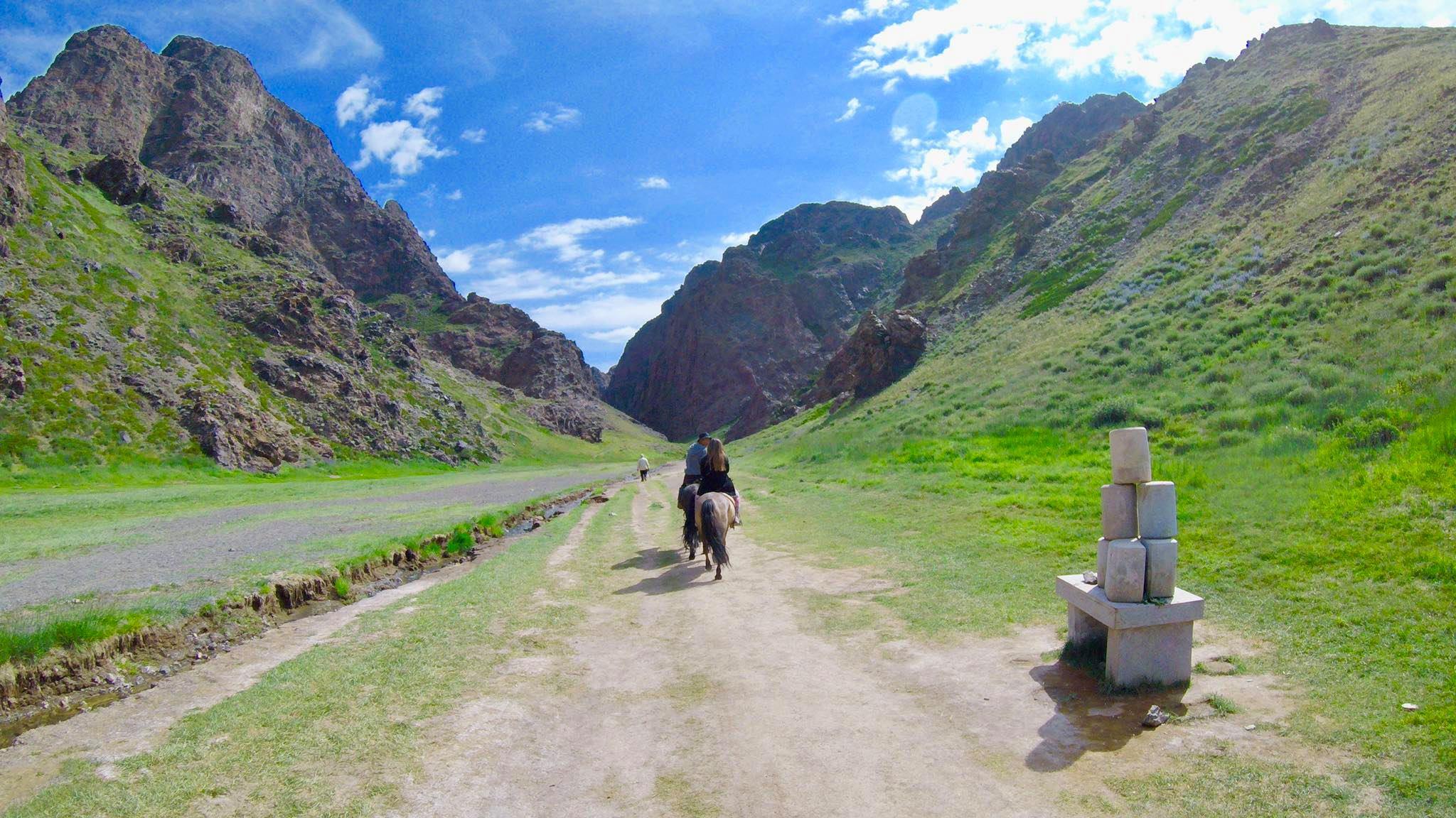 Kach Solo Travels in 2019 Horseback riding trip to the Gobi Gurvan Saikhan National Park15.jpg
