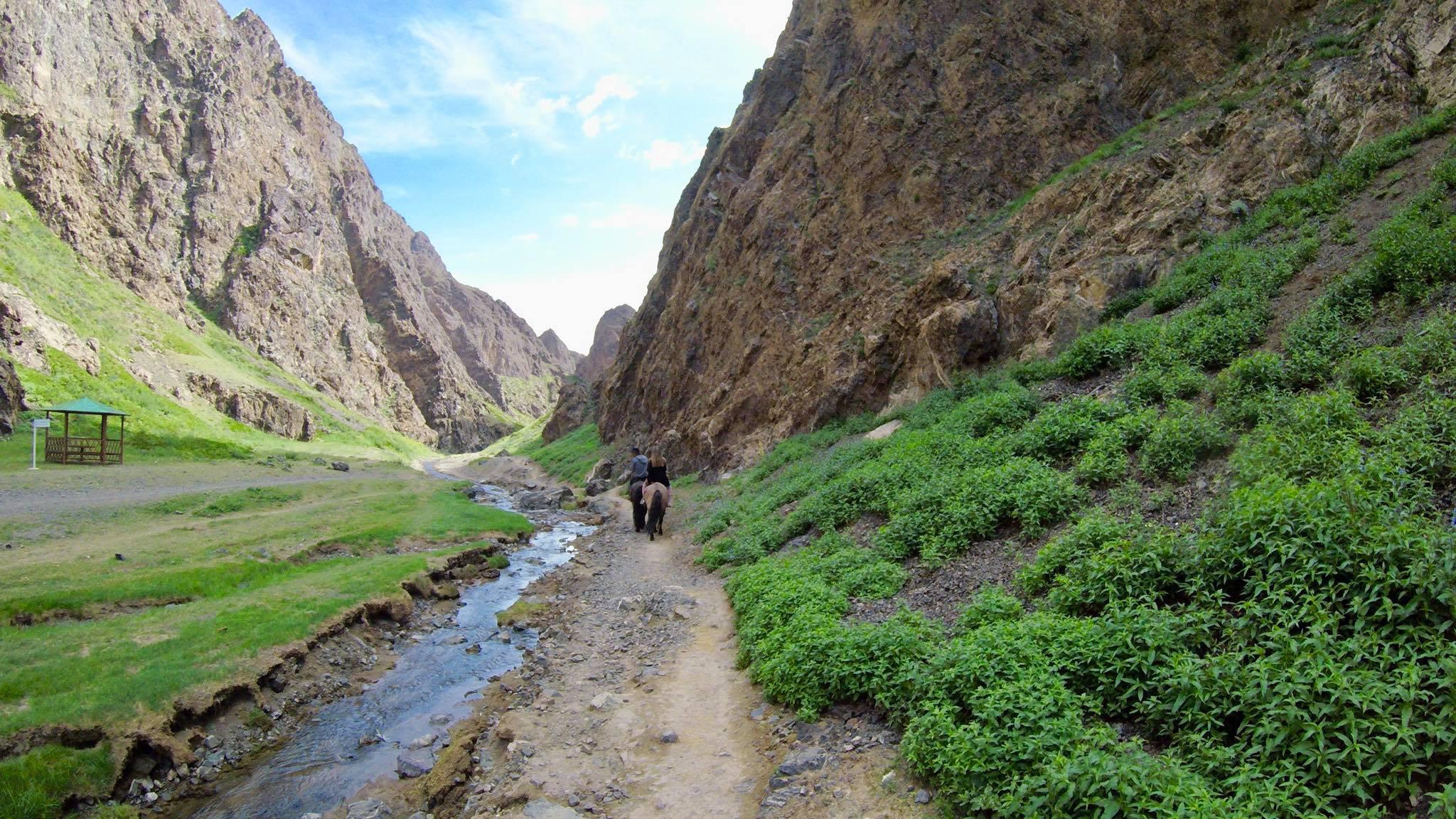 Kach Solo Travels in 2019 Horseback riding trip to the Gobi Gurvan Saikhan National Park20.jpg