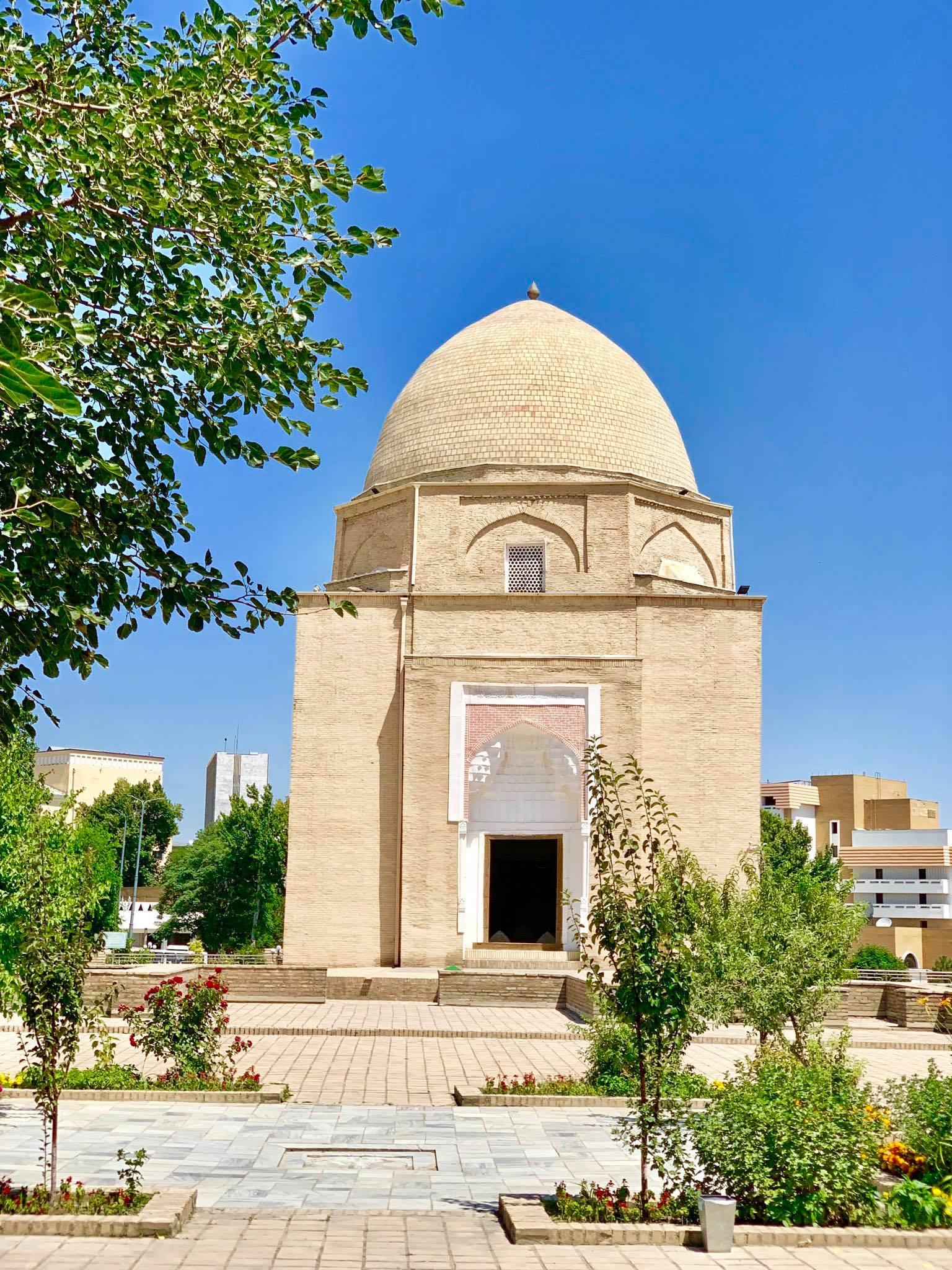 Kach Solo Travels in 2019 Siyab Bazaar and Registan on my first day in Samarkand1.jpg