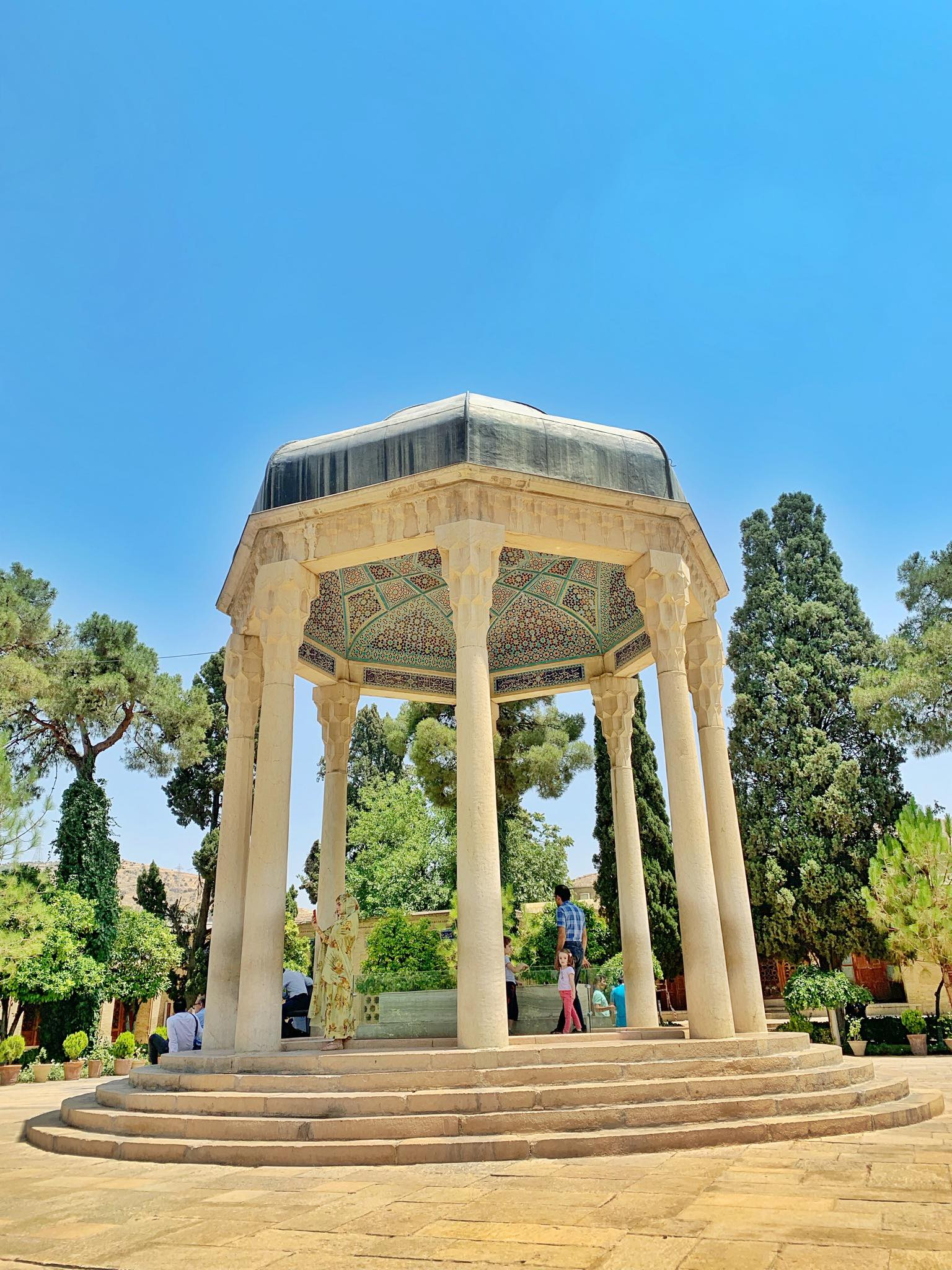 Kach Solo Travels in 2019 Full day tour of Shiraz8.jpg