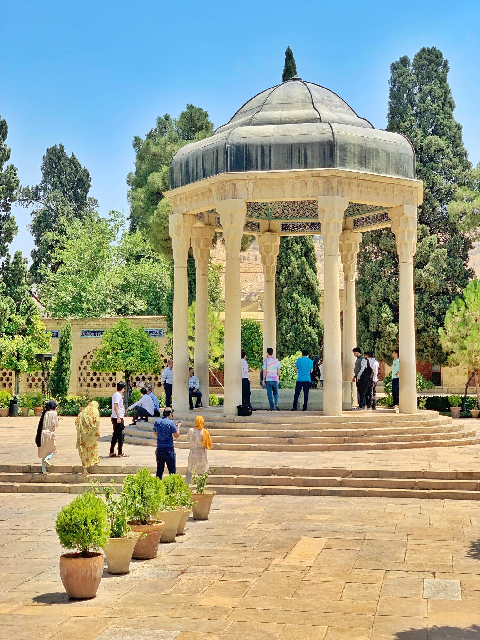 Kach Solo Travels in 2019 Full day tour of Shiraz7.jpg
