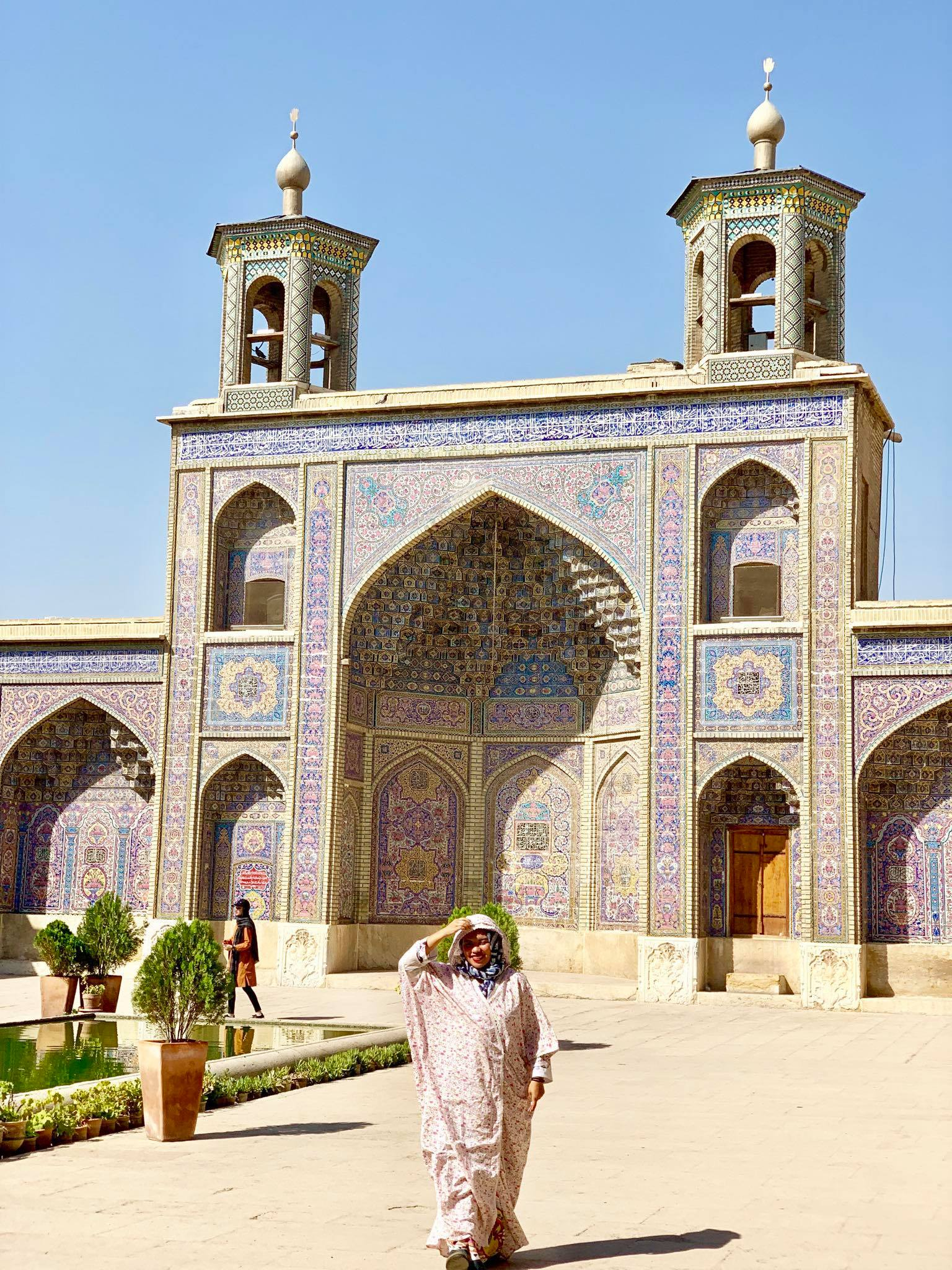 Kach Solo Travels in 2019 Full day tour of Shiraz32.jpg