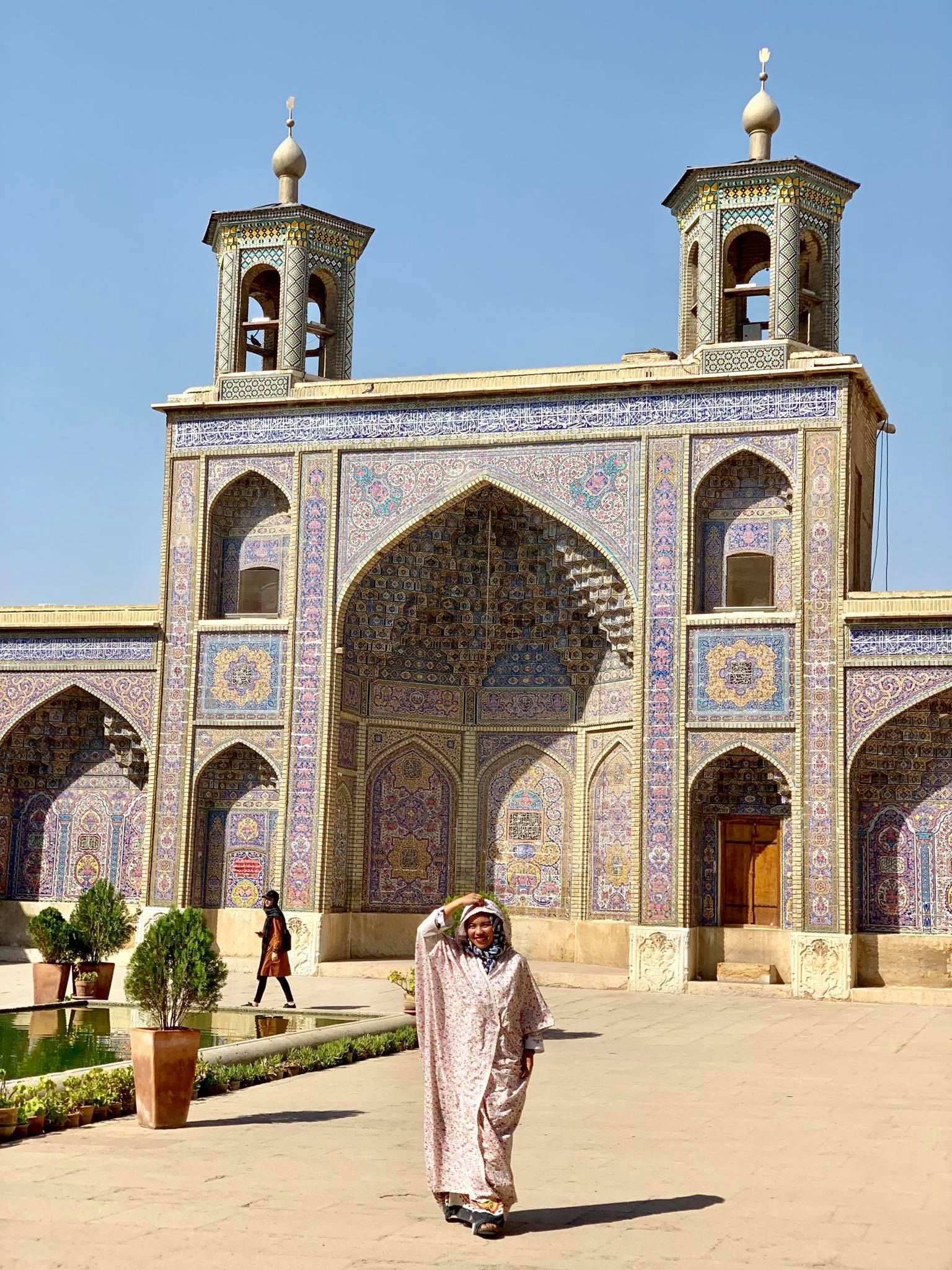 Kach Solo Travels in 2019 Full day tour of Shiraz34.jpg