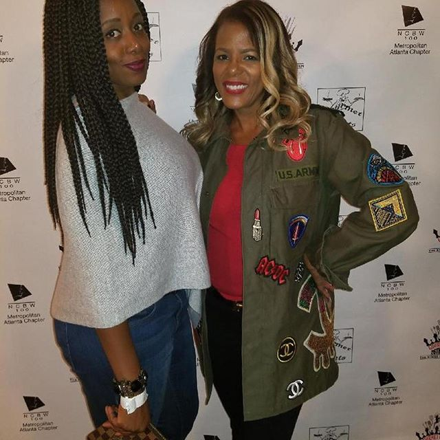 Here's @lisabonner 👐🏾👐🏾👐🏾 at the 26th Annual King's of the Kitchen looking great!! 🌟🌟 THE POP UP 🌟🌟 Never before in stores! Cult de Jour jackets available @nordstromthegrove 189 The Grove Drive, Los Angeles, California 90036. February 16th 18th ALL STAR WEEKEND ONLY. 12P - 5P . First come first serve. Each jacket is unique! Come and get your life!!! #cultdejour #nyfw #fashionweek #popupstore #popupshop
