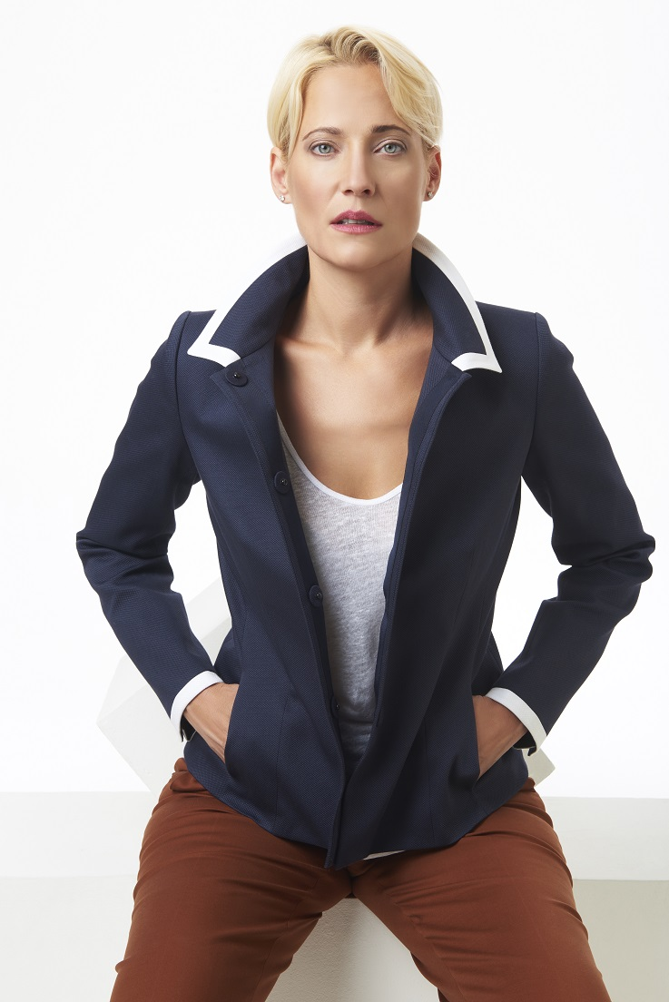 Navy+and+white+traditional+pique+blazer+styled+casually.jpg