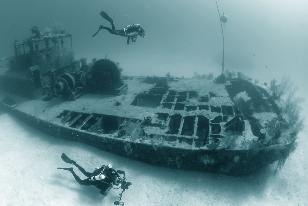 DEEP DIVING COURSE TO 130'