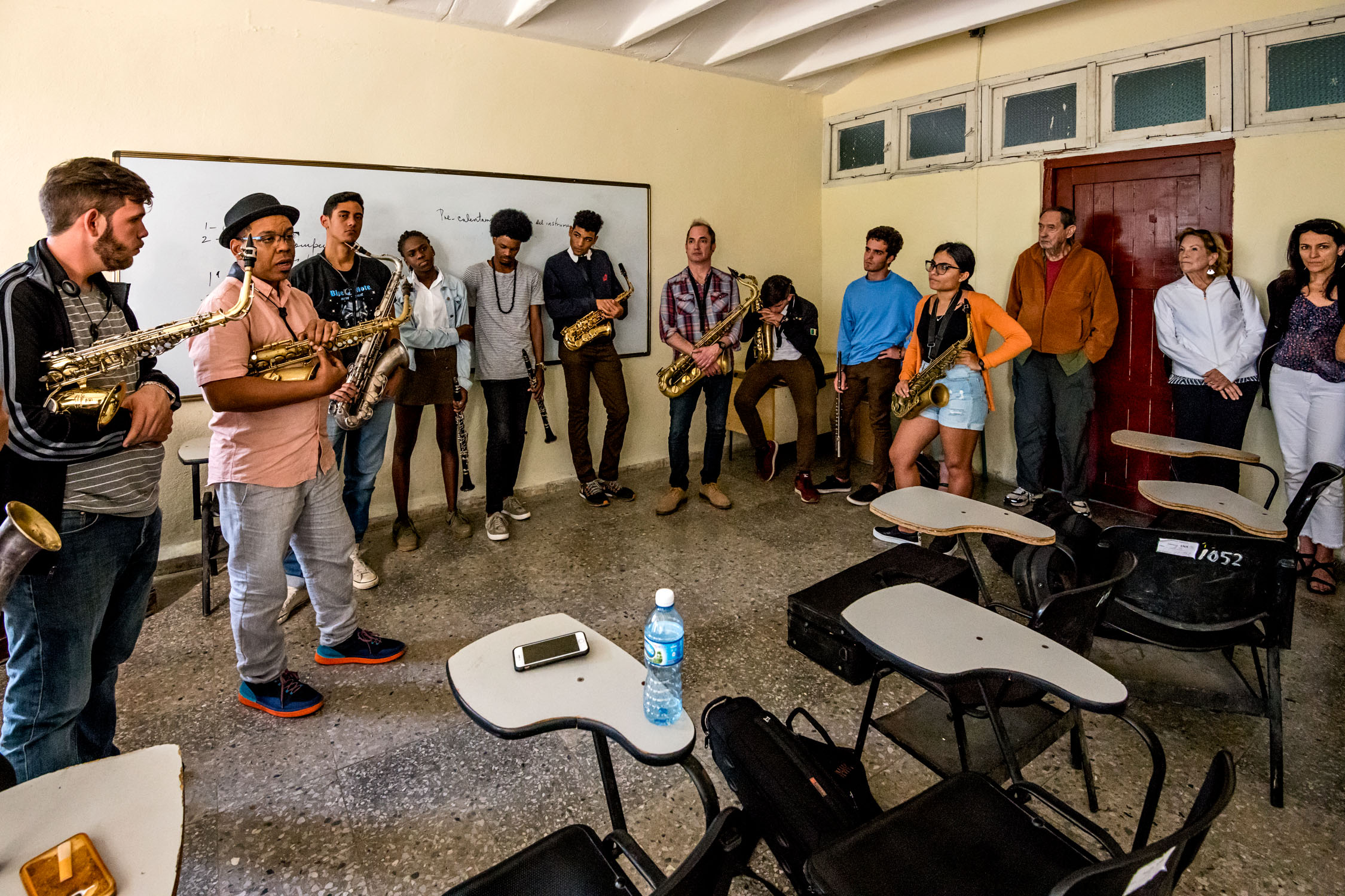 Roman Filiu & Peter Apfelbaum teaching woodwind students at Escuela Nacional de Arte (La ENA), Havana, Cuba, January 2019 (Photo by David Garten)