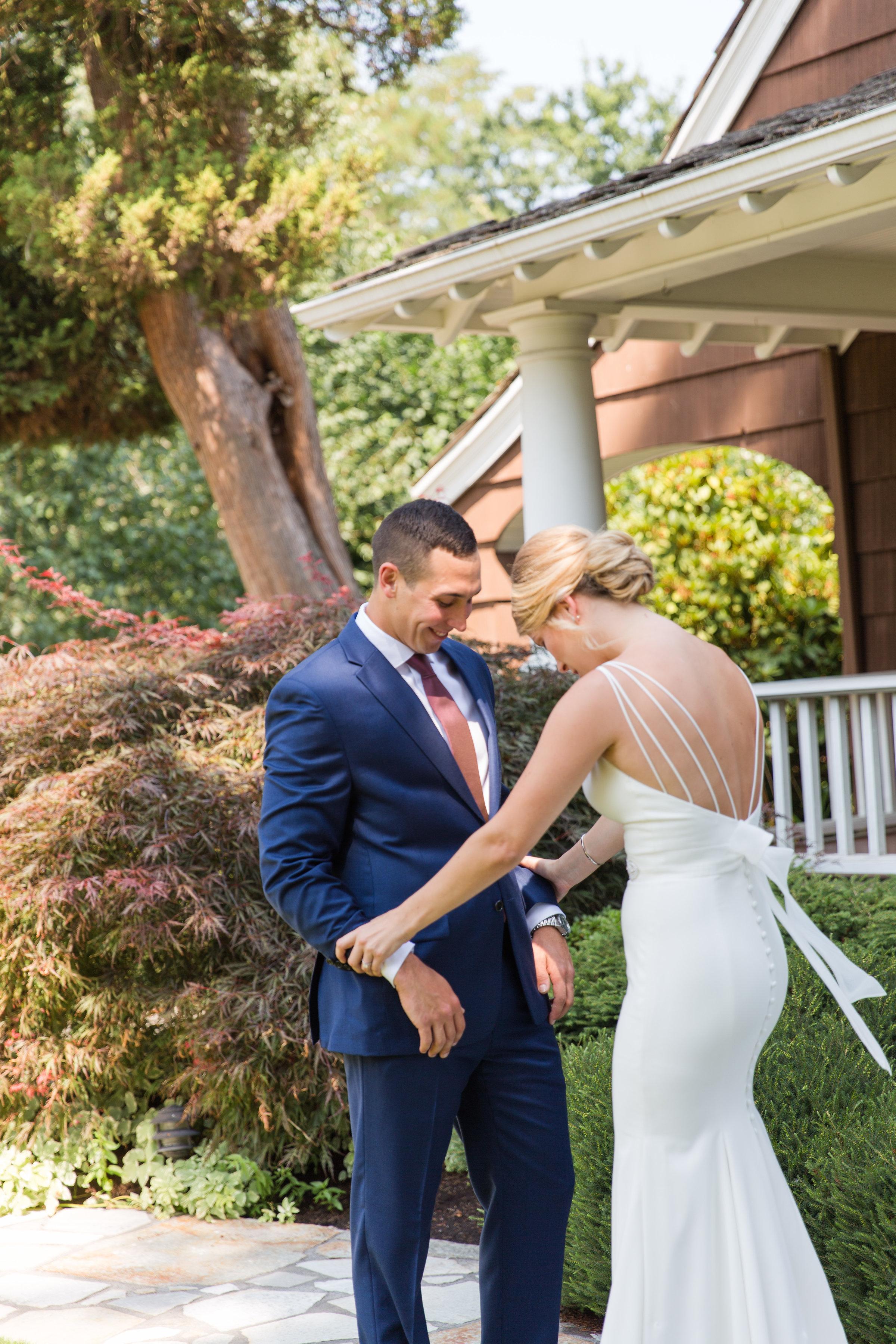 Tara-Dillon-Married_ERP_Grooms-First-Look-12.jpg