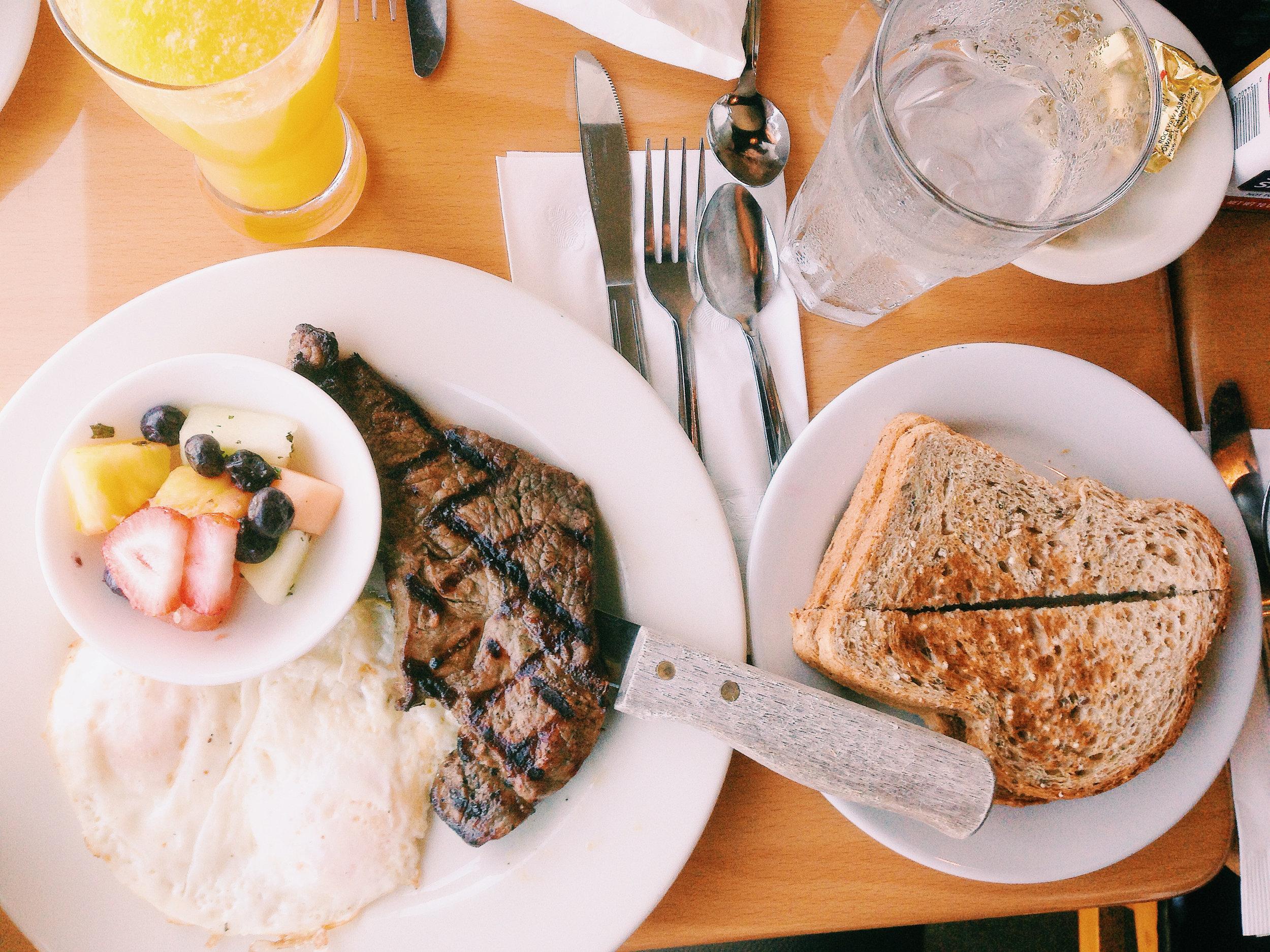 food-plate-toast-restaurant.jpg