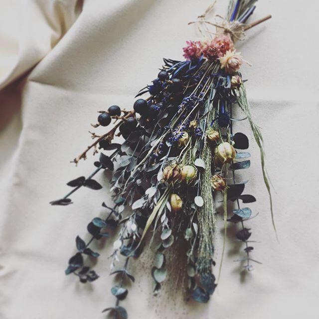 ユーカリの香り🌸 #swag #walldecor  I love a fragrant of eucalyptus🌸 #スワッグ #ユーカリ #プリザーブドフラワー #preservedflower #保鮮花 #保鮮花工作坊 #eucalyptus #香港 #東涌 #hongkong #tungchung #flowergift #flowerlesson #flowerstagram #handmadehk #香港手作 #香港習い事