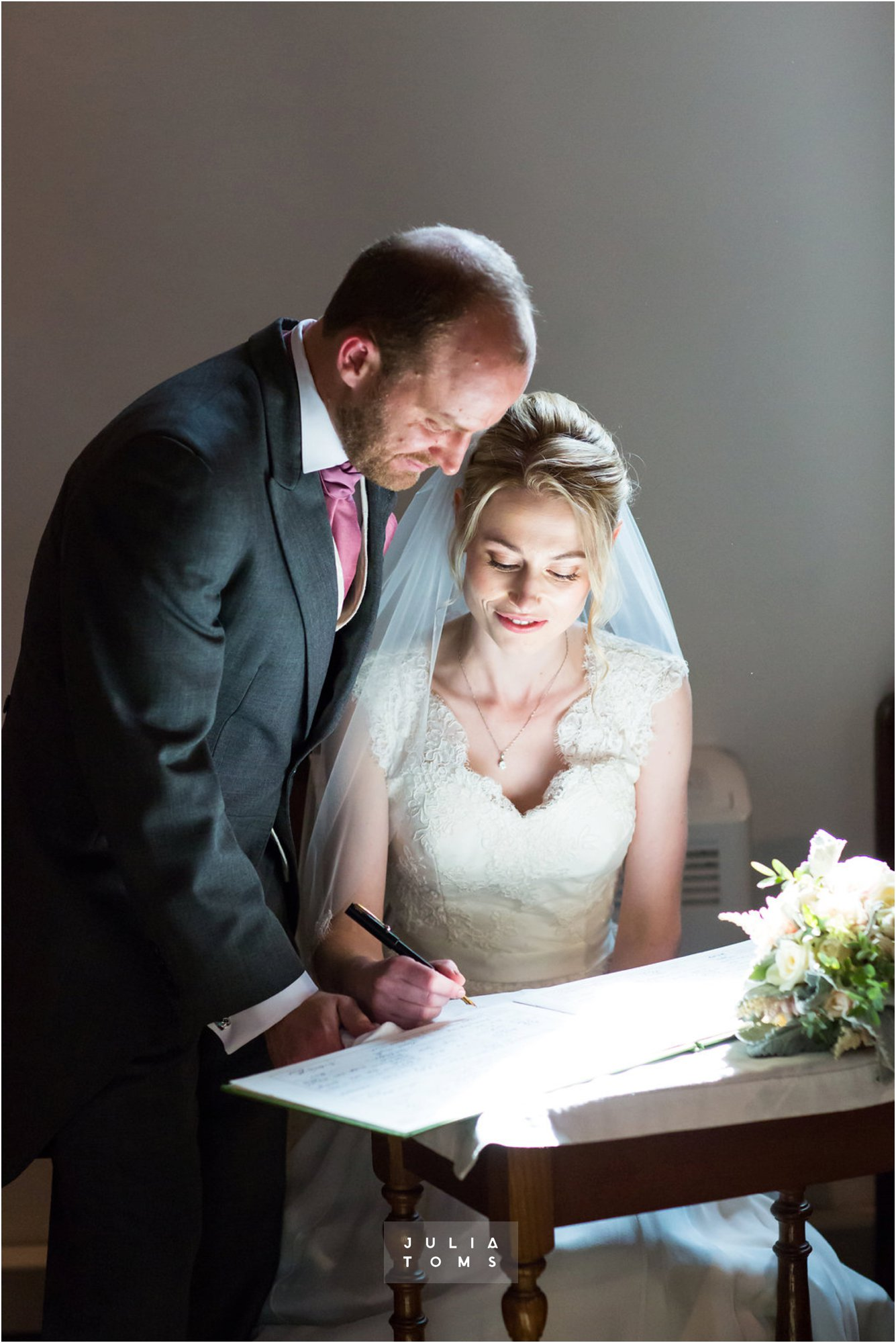itchenor_wedding_chichester_photographer_033.jpg