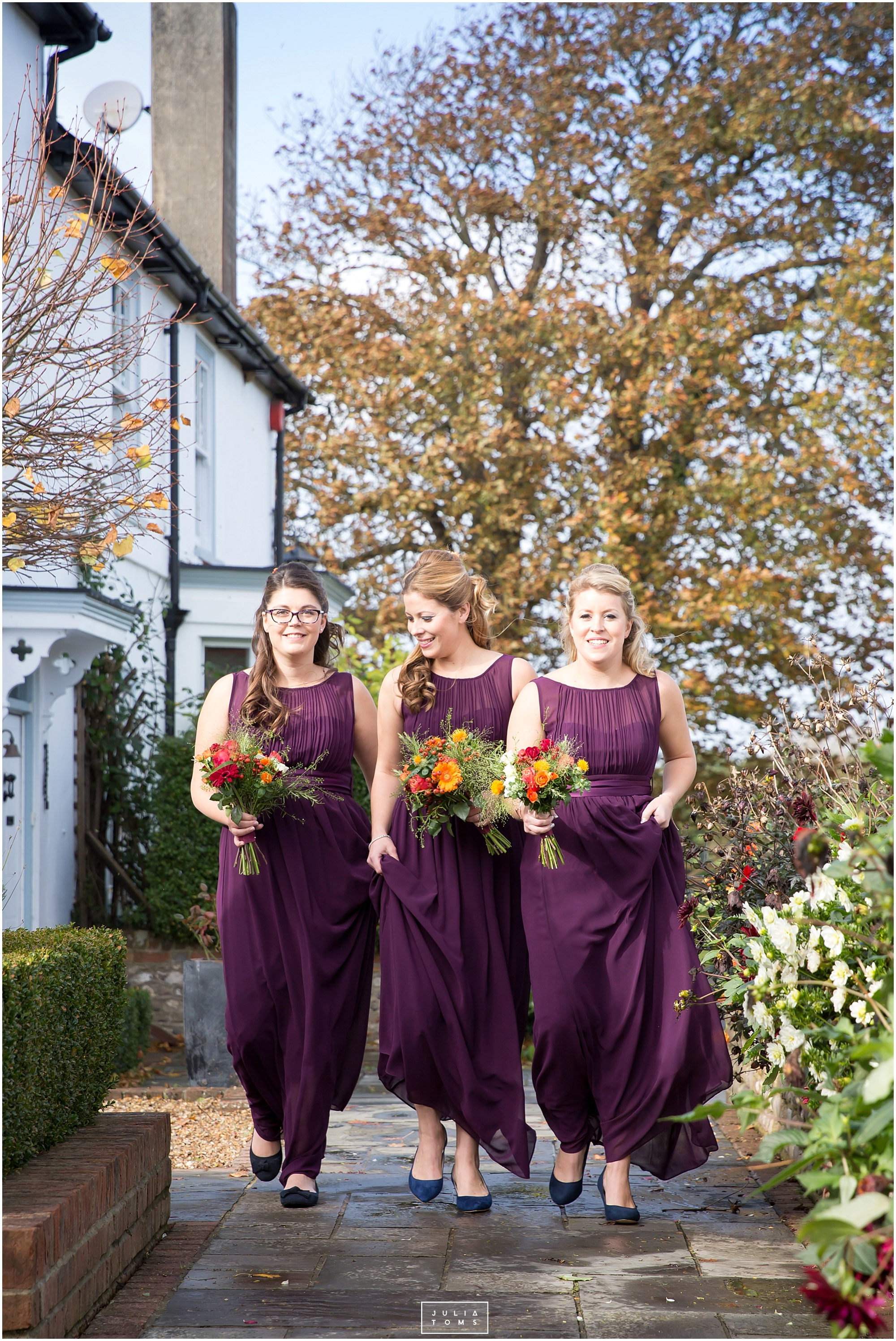 Southend_barn_wedding_photographer_chichester_025.jpg