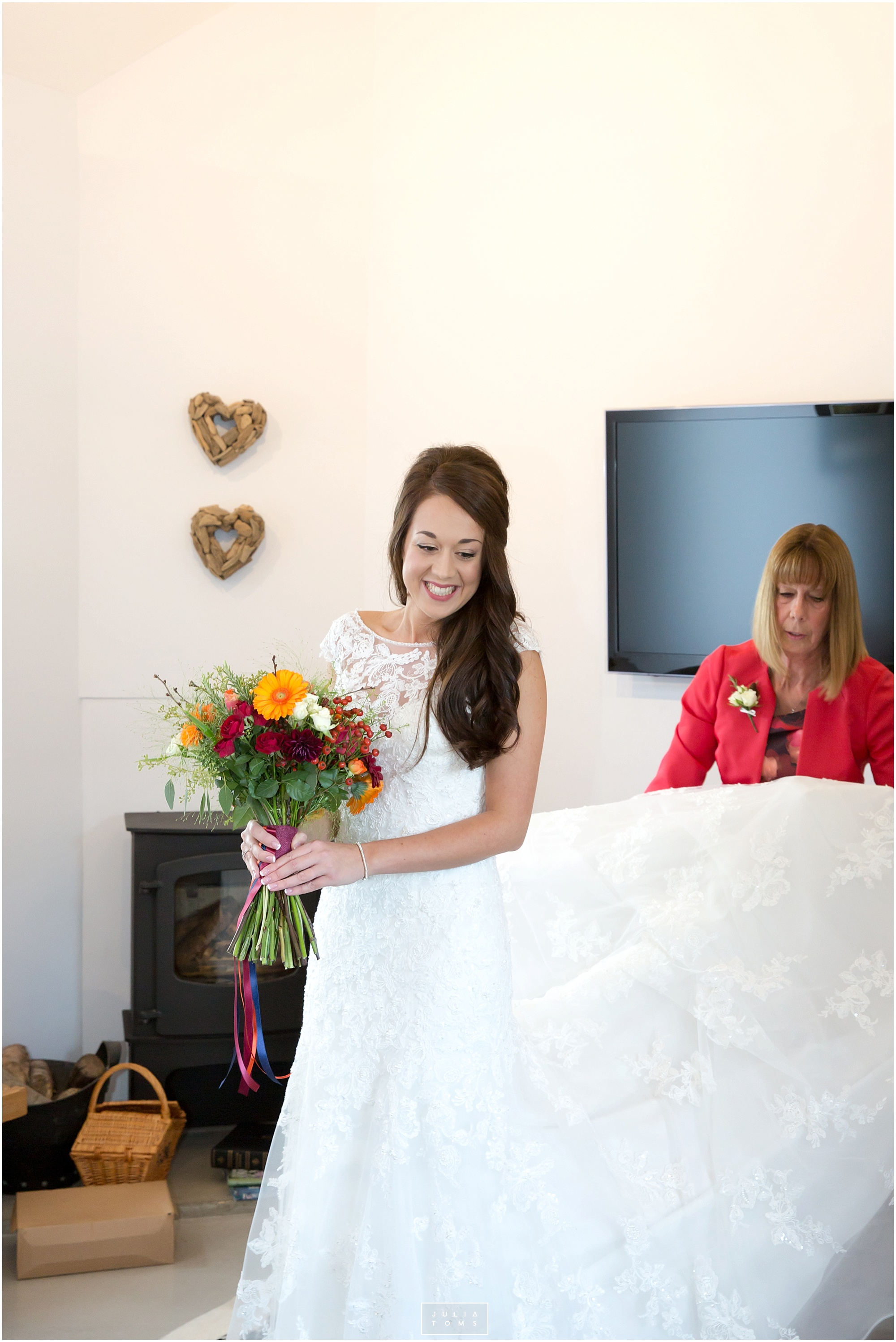 Southend_barn_wedding_photographer_chichester_031.jpg