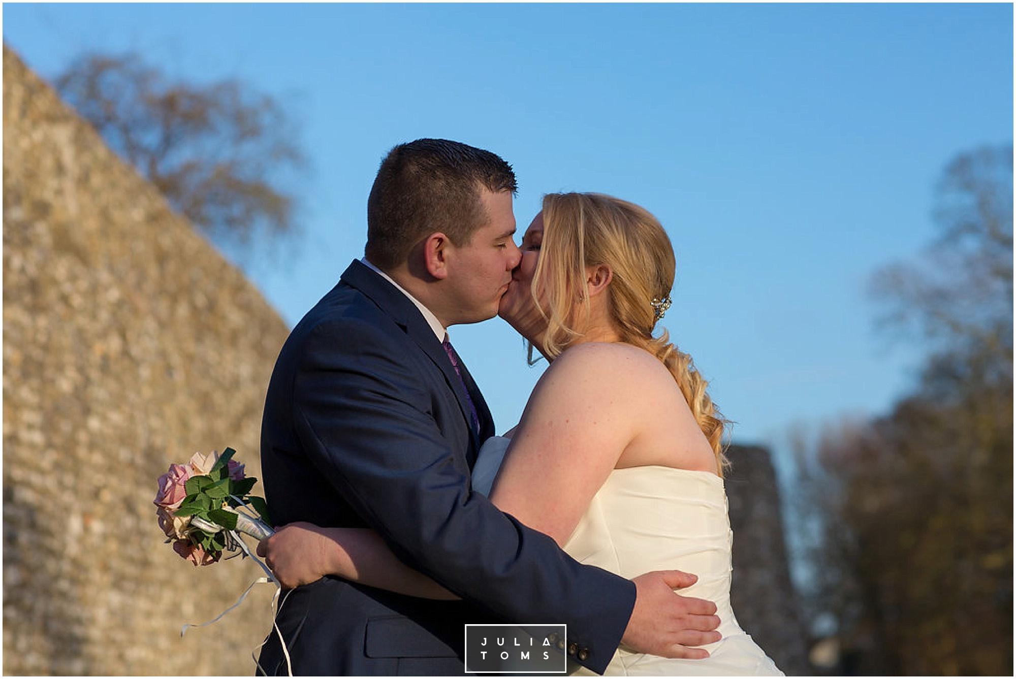 JuliaToms_chichester_wedding_photograher_edes_house_024.jpg