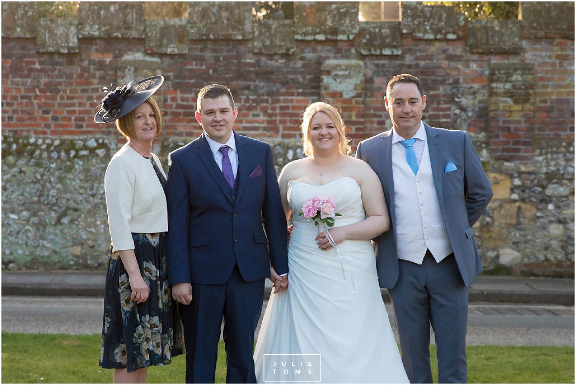 JuliaToms_chichester_wedding_photograher_edes_house_035.jpg