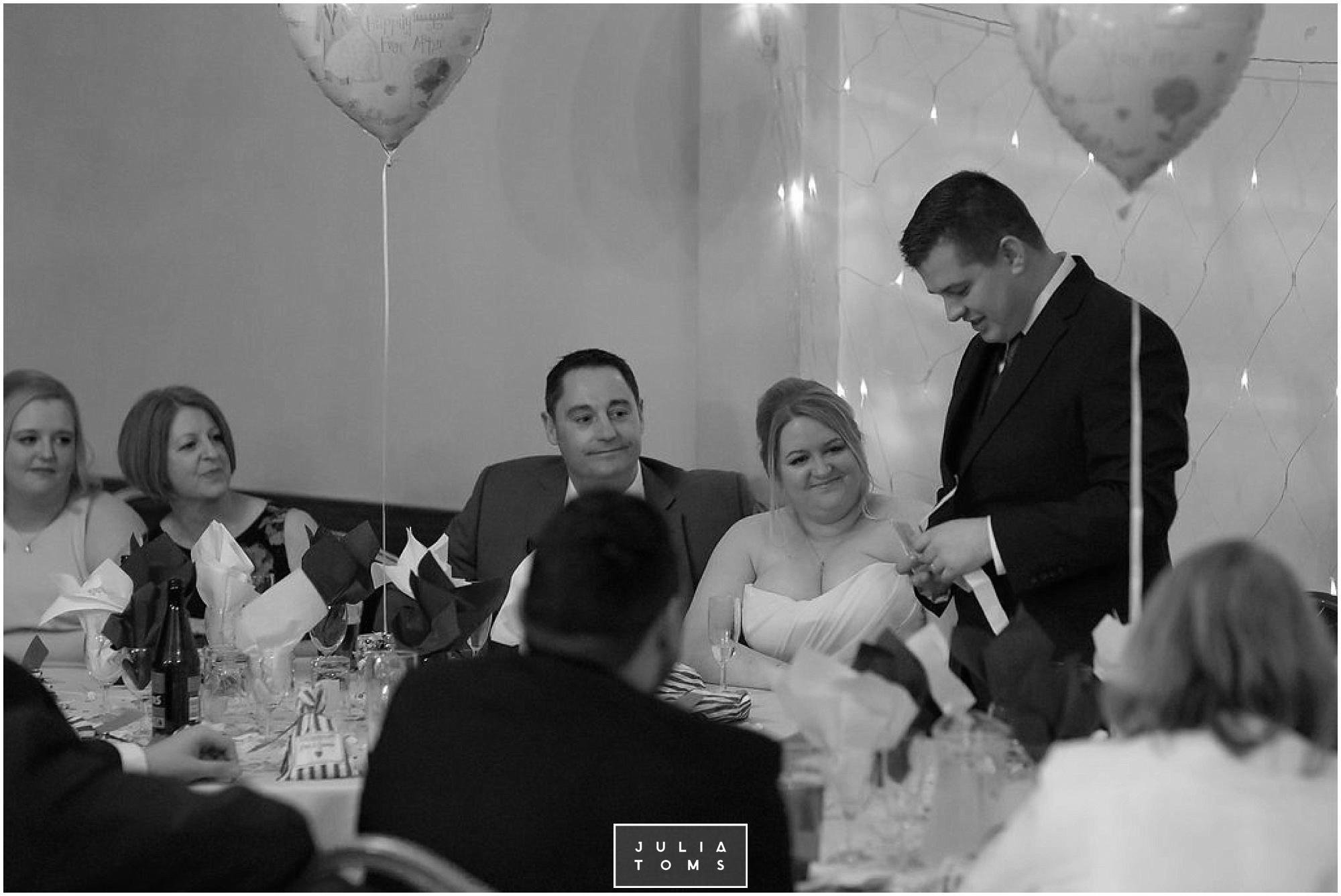 JuliaToms_chichester_wedding_photograher_edes_house_048.jpg