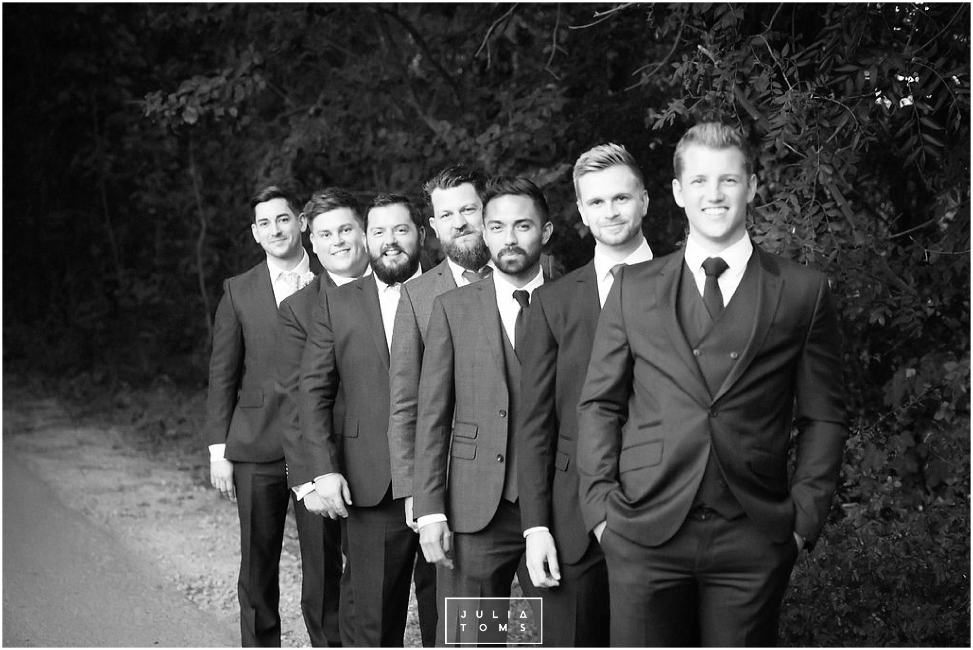 JuliaToms_chichester_fishbourne_wedding_photograher_edes_house_036.jpg