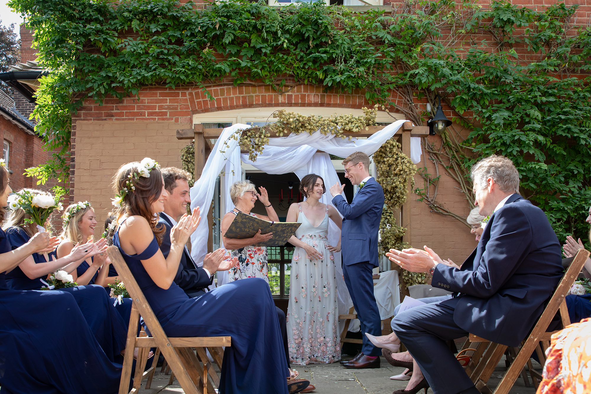 chichester_wedding_photographer_london_juliatoms_020.jpg