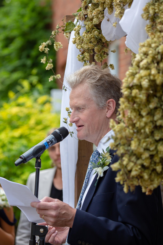 chichester_wedding_photographer_london_juliatoms_051.jpg