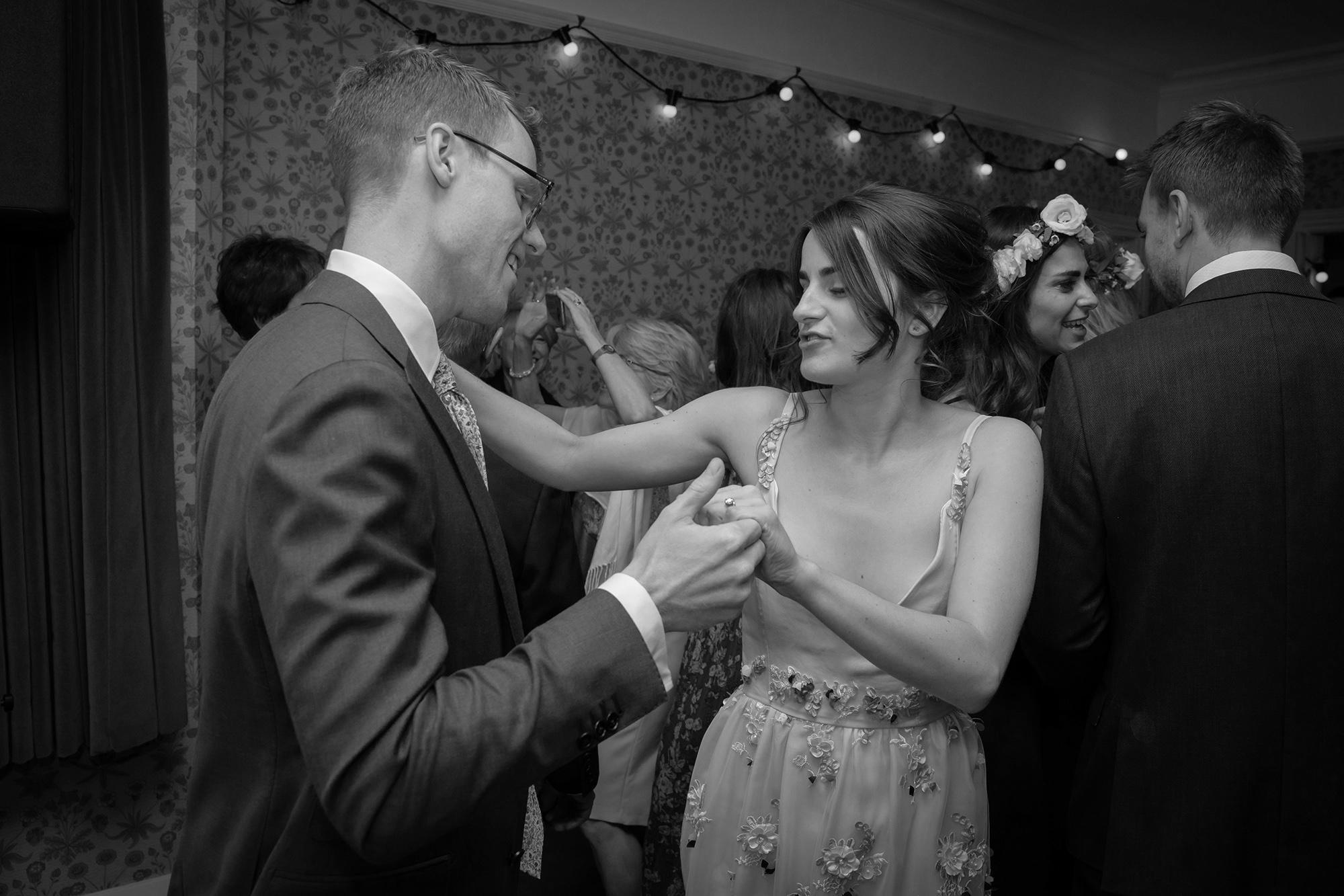 chichester_wedding_photographer_london_juliatoms_055.jpg