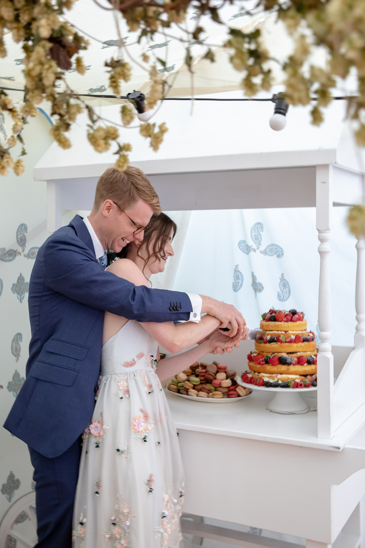 chichester_wedding_photographer_london_juliatoms_054.jpg