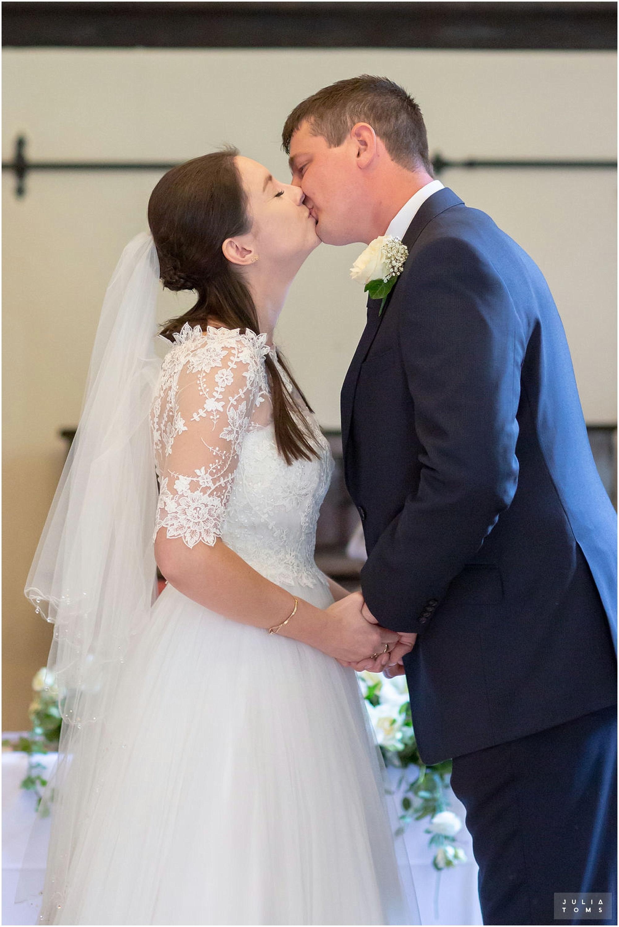 amberley_castle_wedding_photographer_018.jpg