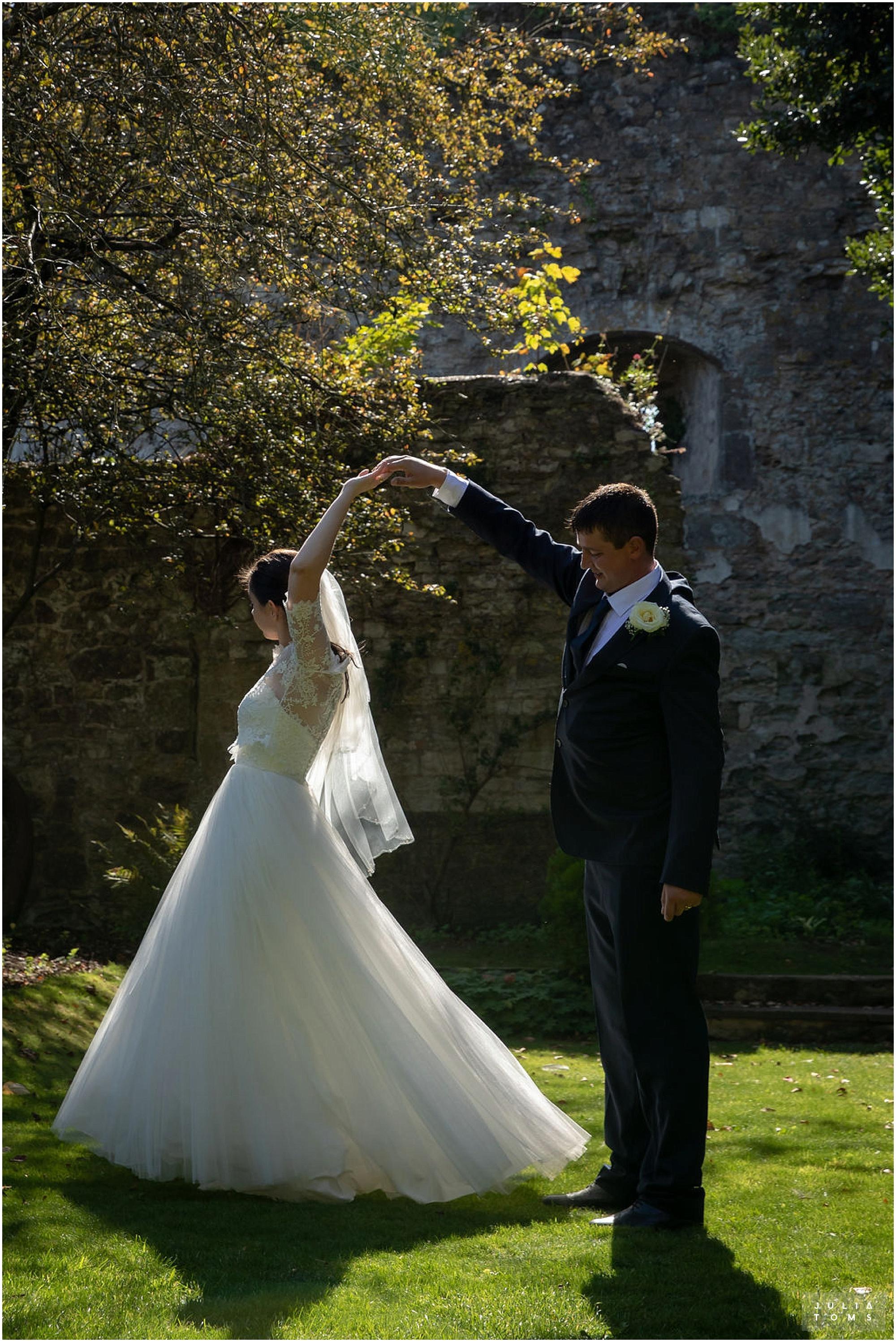 amberley_castle_wedding_photographer_037.jpg