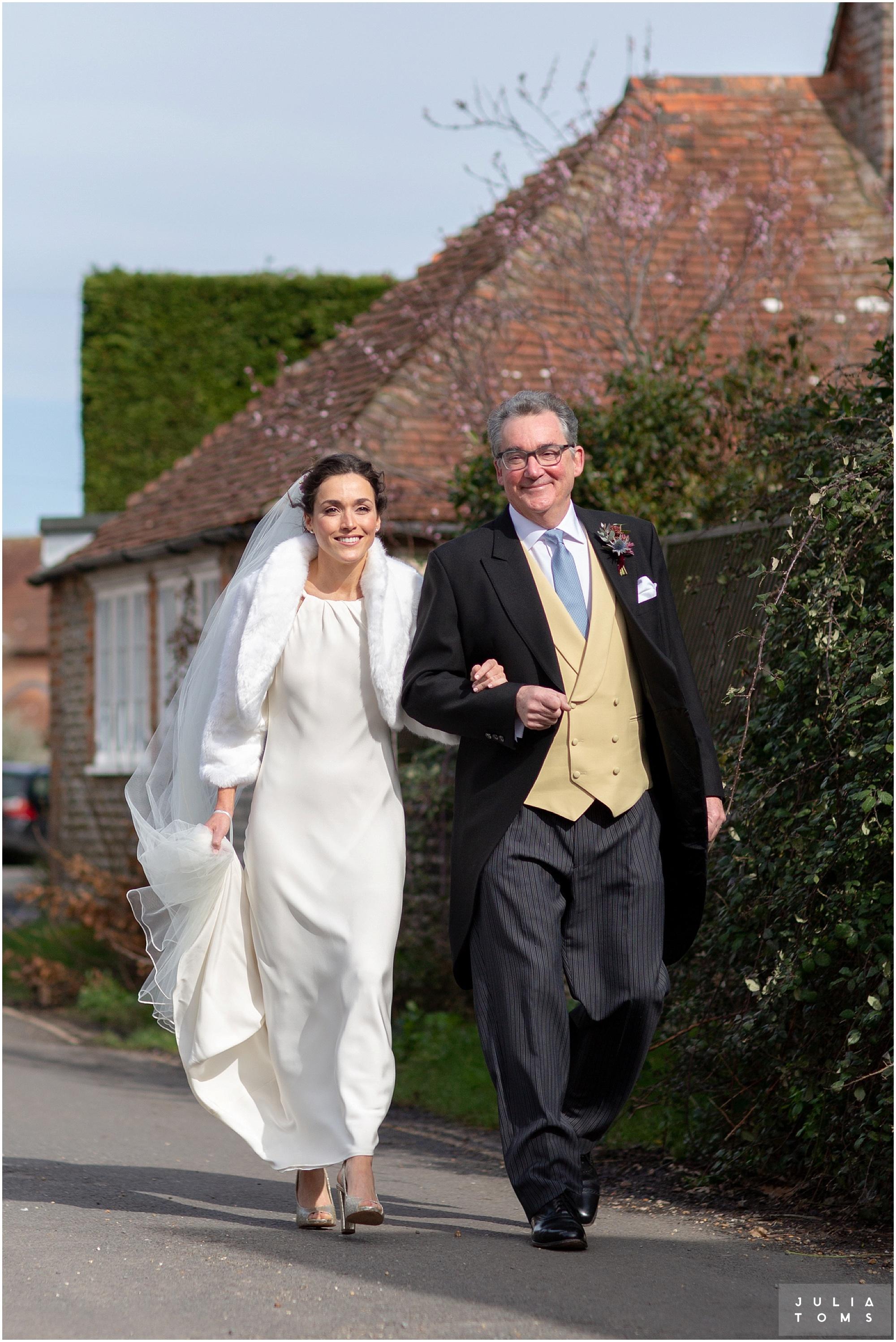 Southend_barn_wedding_photographer_juliatoms_004.jpg