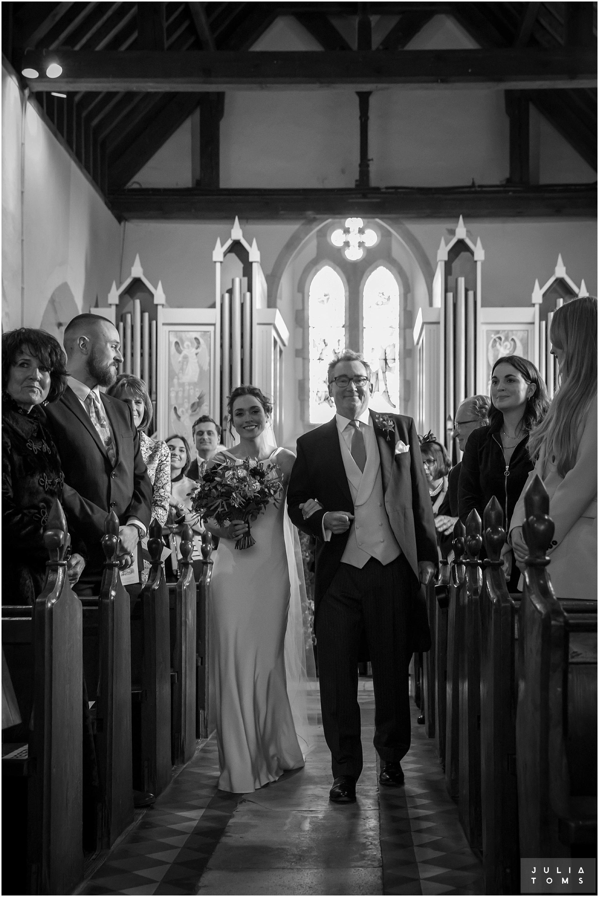 Southend_barn_wedding_photographer_juliatoms_005.jpg