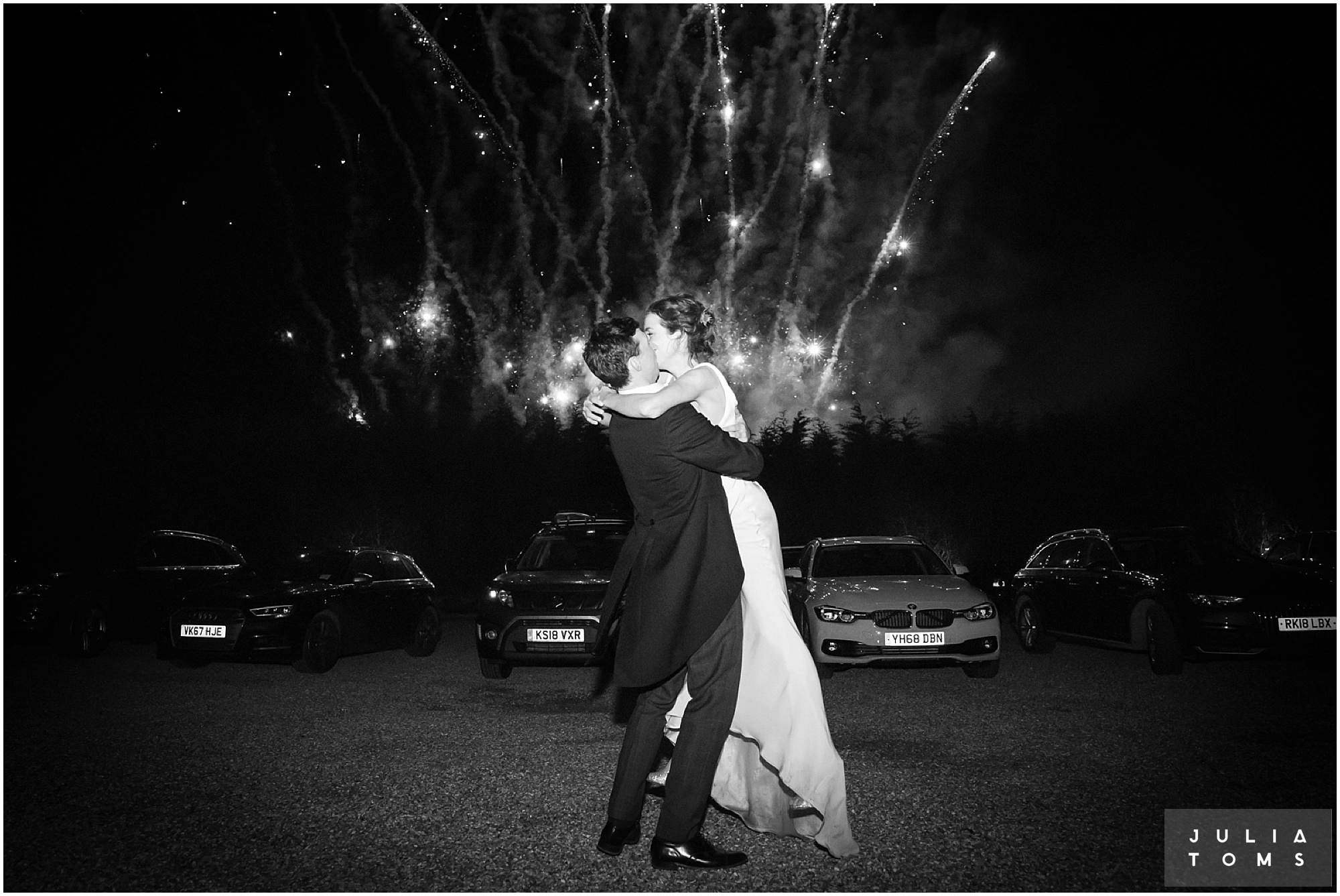 Southend_barn_wedding_photographer_juliatoms_022.jpg