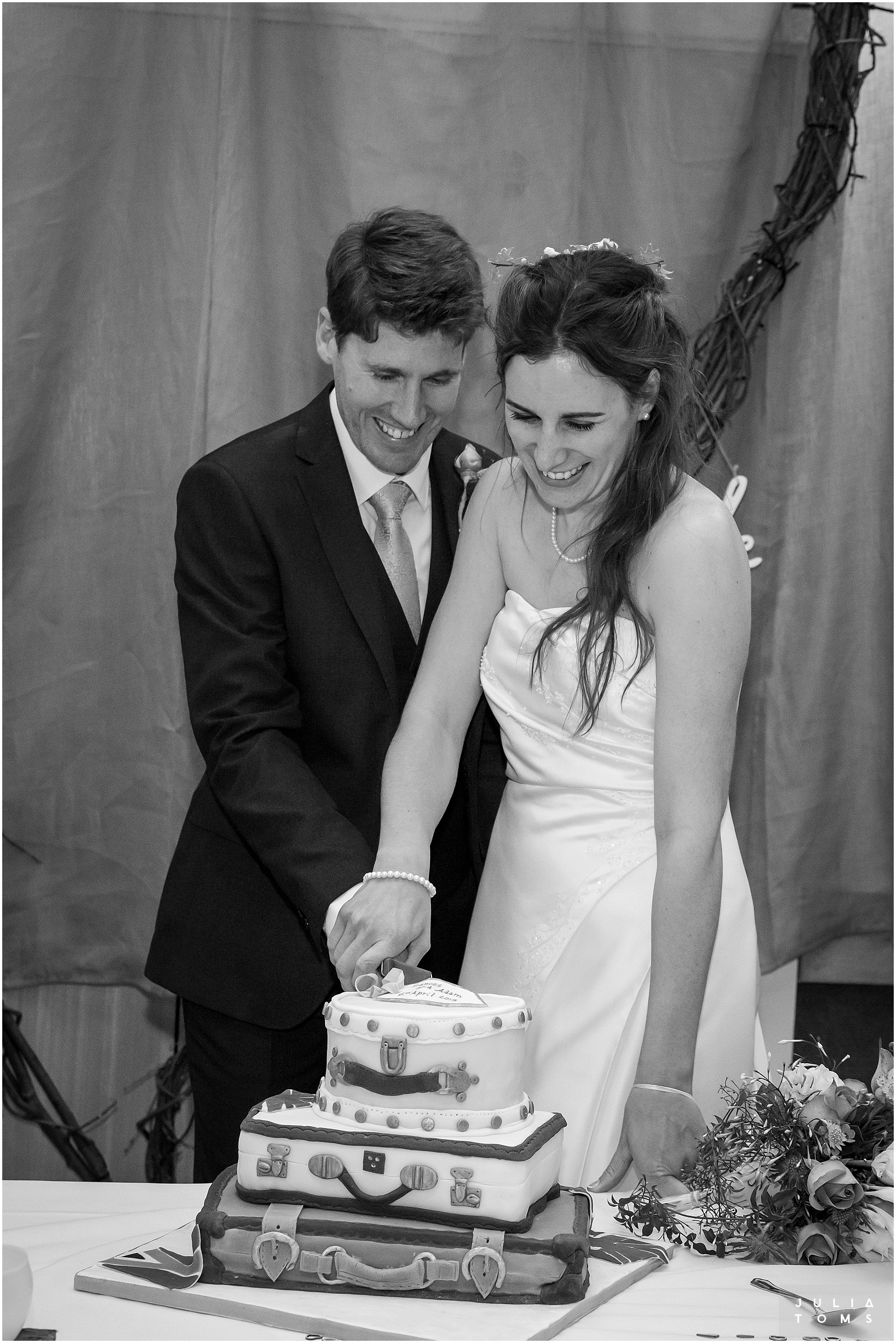 juliatoms_christian_wedding_photogtapher_midhurst_020.jpg
