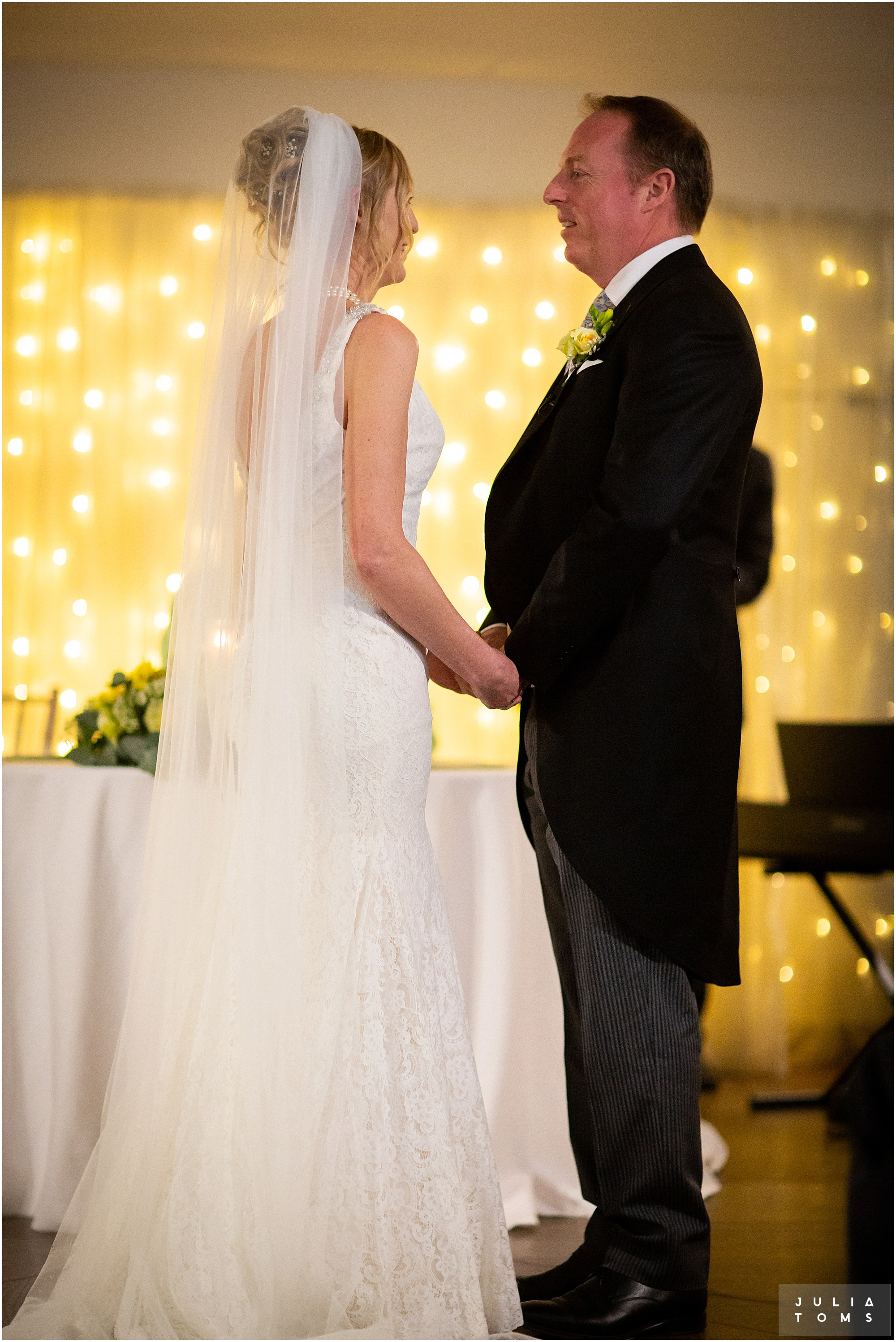 farbridge_barn_wedding_photographer_chichester_019.jpg