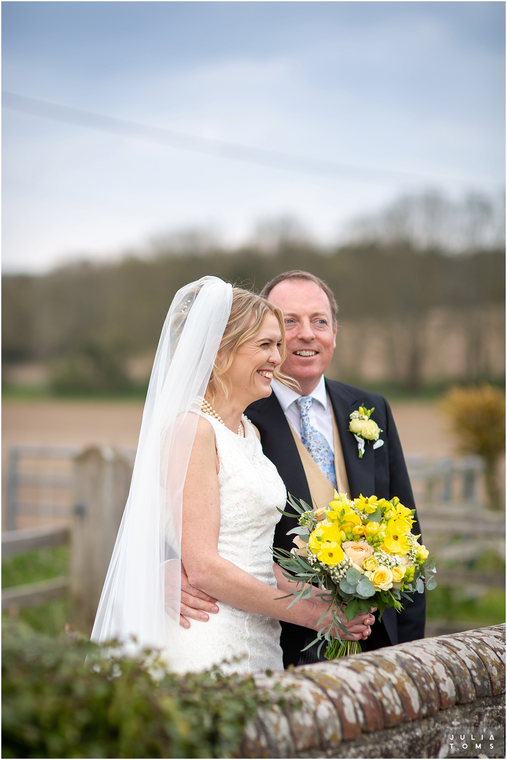 farbridge_barn_wedding_photographer_chichester_026.jpg