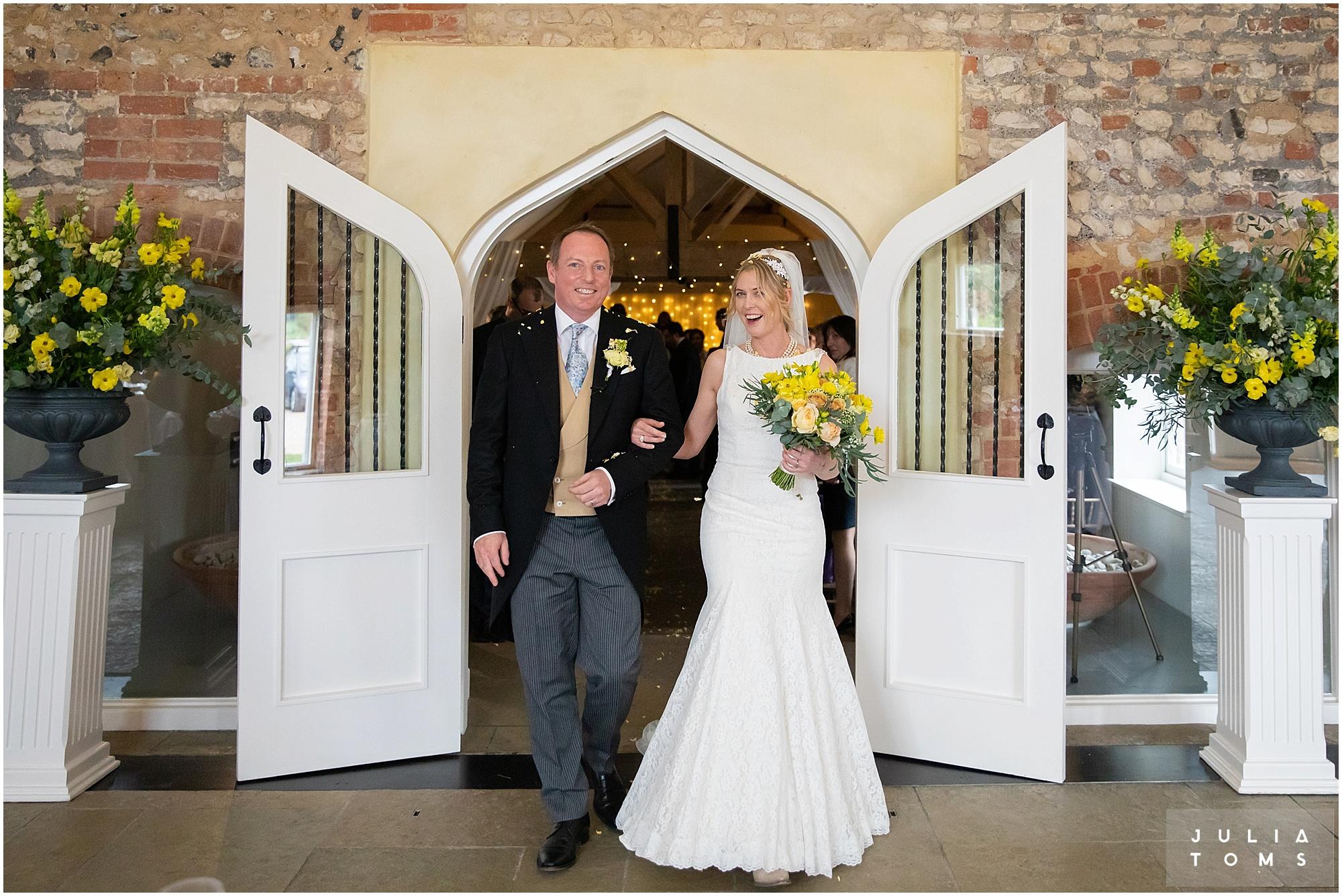 farbridge_barn_wedding_photographer_chichester_023.jpg