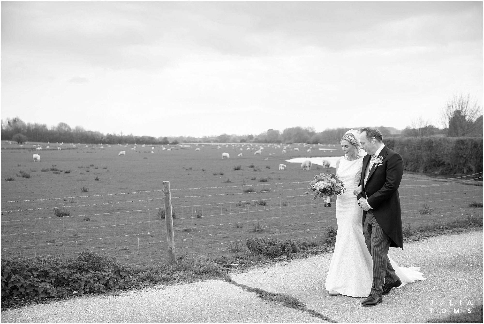 farbridge_barn_wedding_photographer_chichester_028.jpg