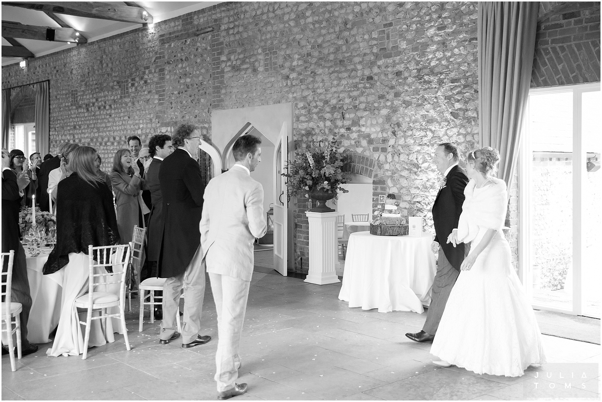 farbridge_barn_wedding_photographer_chichester_047.jpg