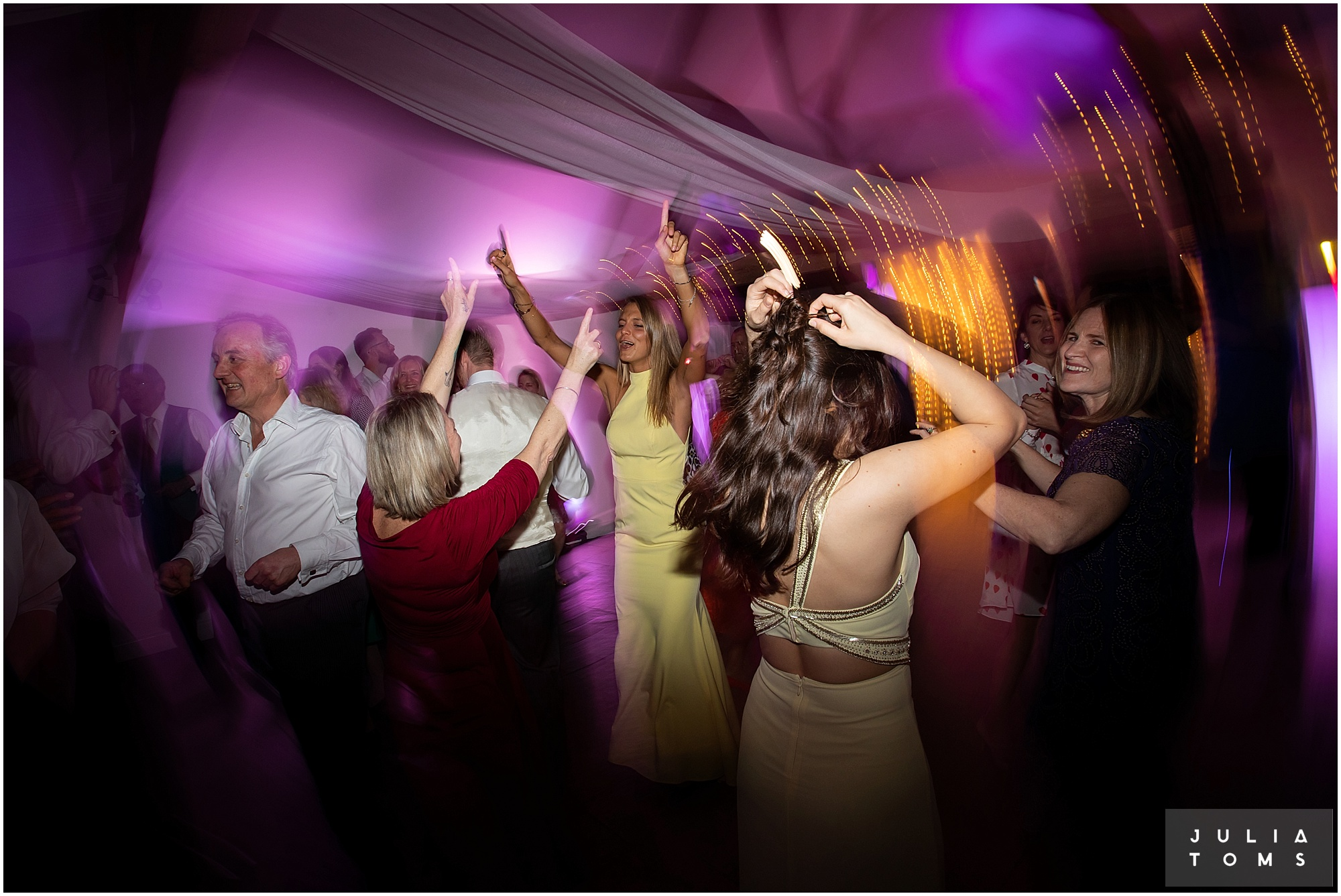 farbridge_barn_wedding_photographer_chichester_061.jpg