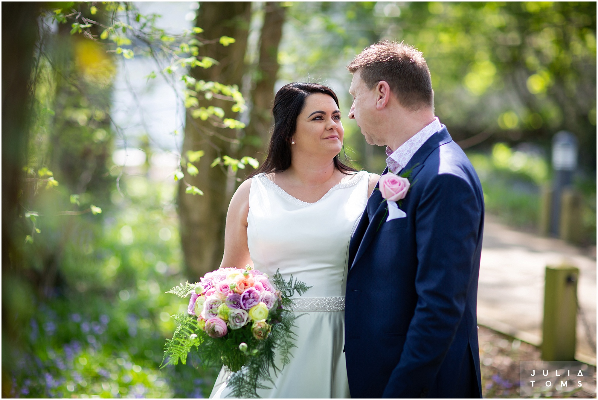 hampshire_wedding_photographer_juliatoms_004.jpg