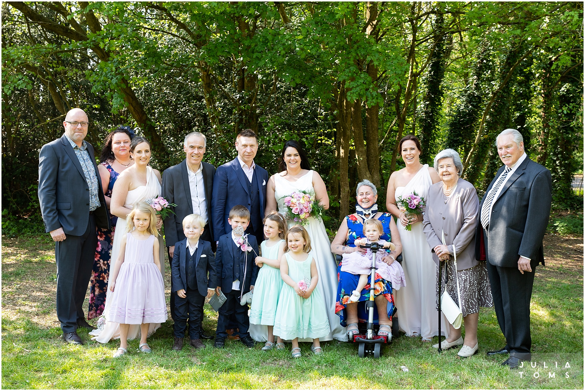 hampshire_wedding_photographer_juliatoms_037.jpg