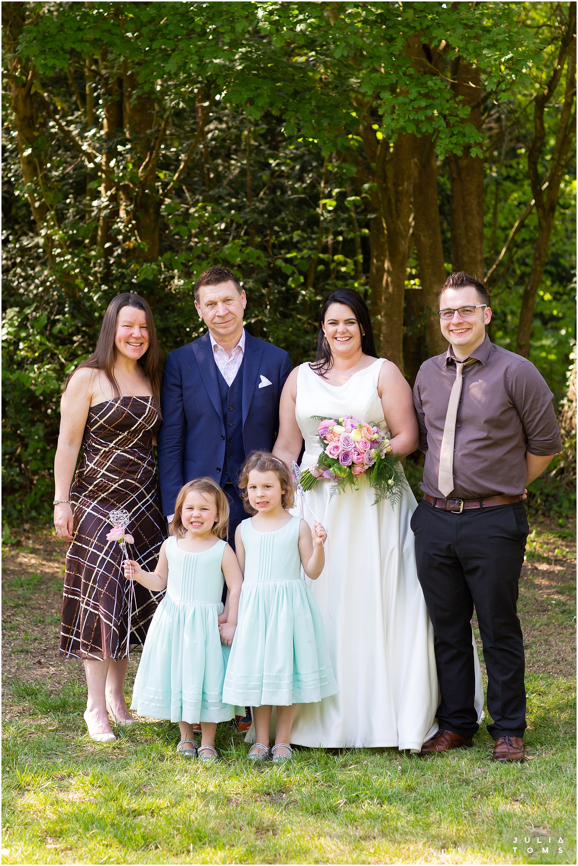hampshire_wedding_photographer_juliatoms_041.jpg