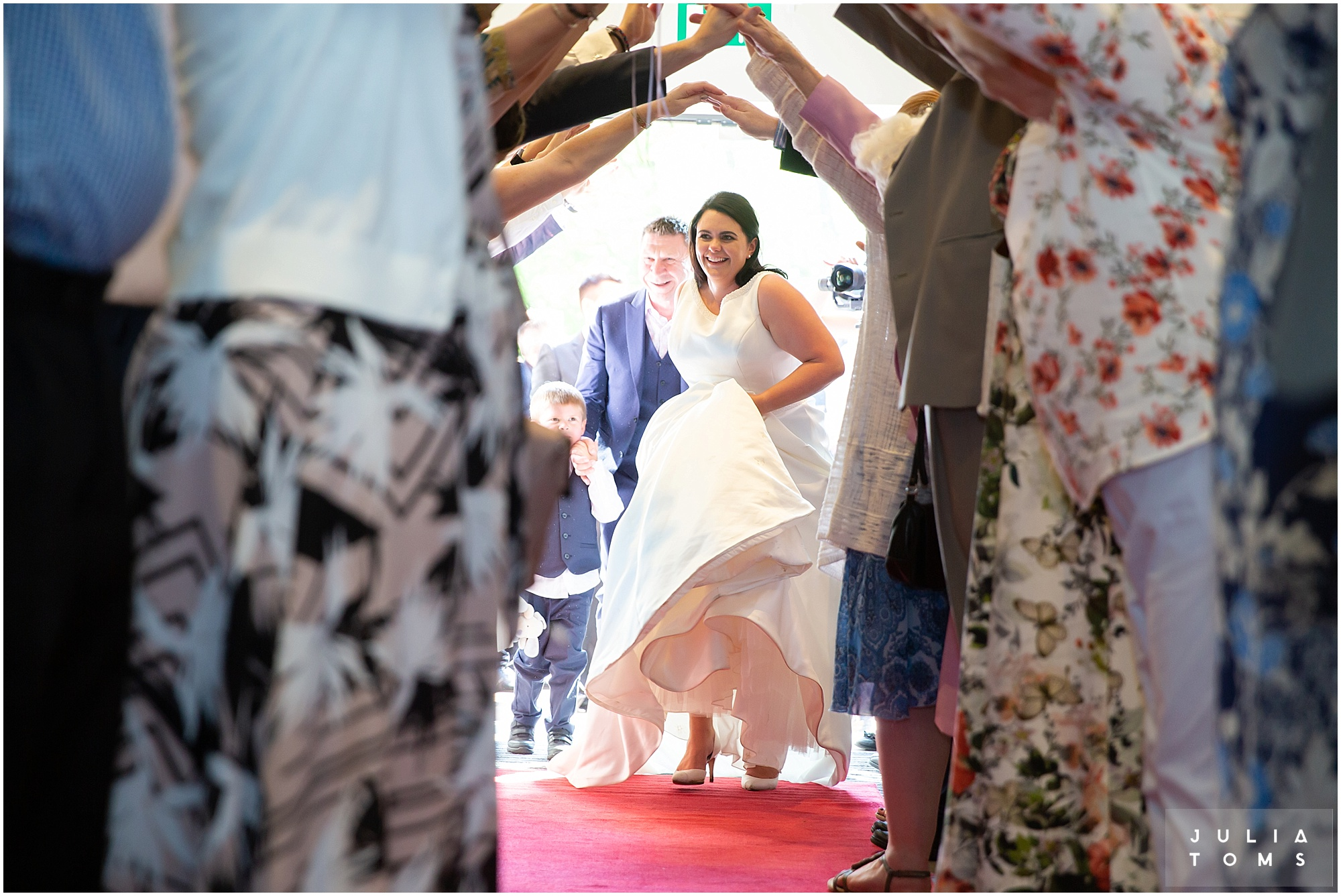 hampshire_wedding_photographer_juliatoms_055.jpg
