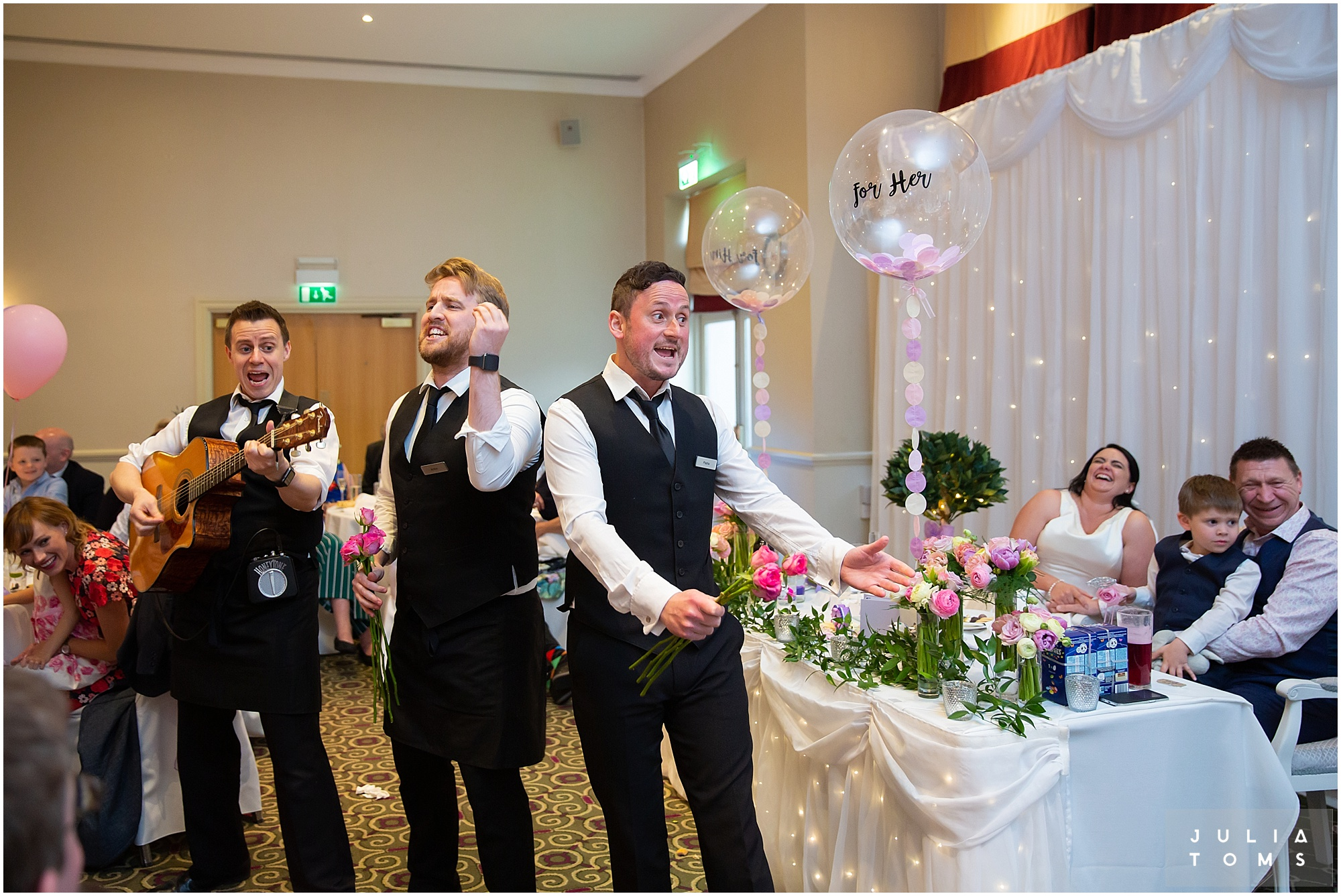 hampshire_wedding_photographer_juliatoms_091.jpg